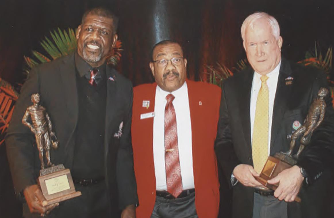 L to R Randal McDaniel, Rose Bowl President Gerald Freeny, Patrick McCaskey (Halas Grandson). (Earl Heath photo)