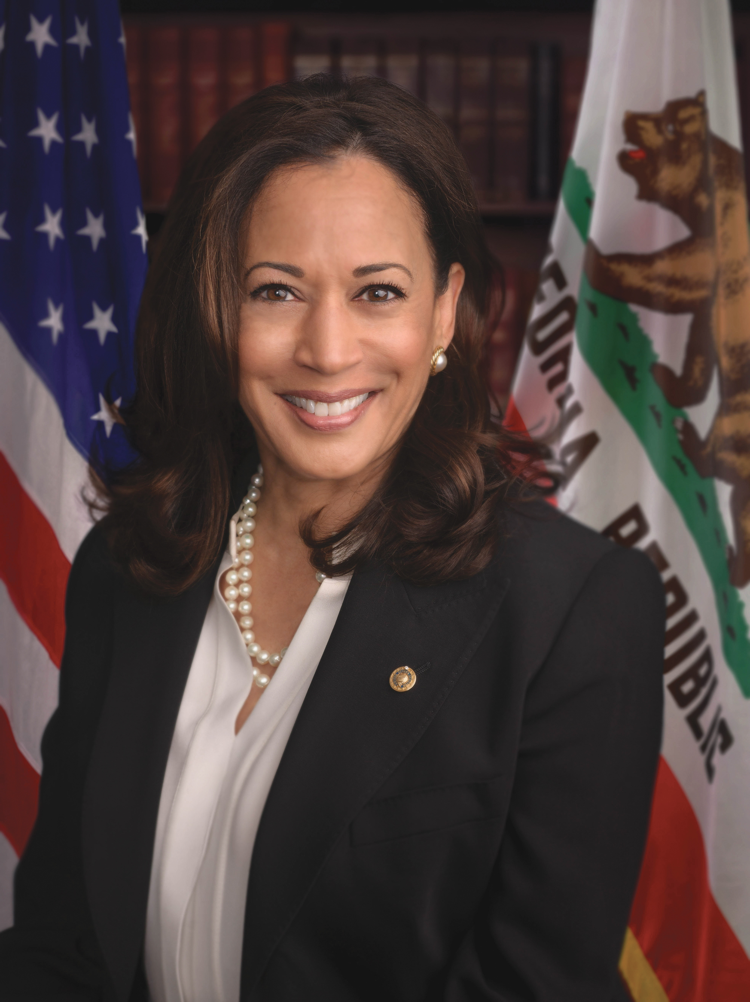 """""""I have introduced the EQUAL Defense Act to give public defenders the tools they need to ensure a more effective criminal justice system and to deliver on Gideon's promise,"""" said U.S. Senator Kamala D. Harris (D-CA)."""