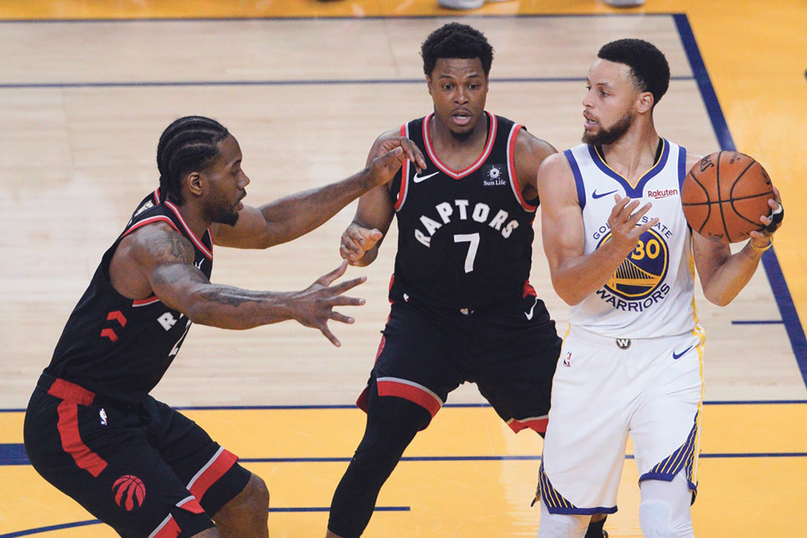 The Warriors are depending on Stephen Curry to keep them in Game 3 with key offensive players out injured. (Photo Credit Tony Avelar/Associated Press)