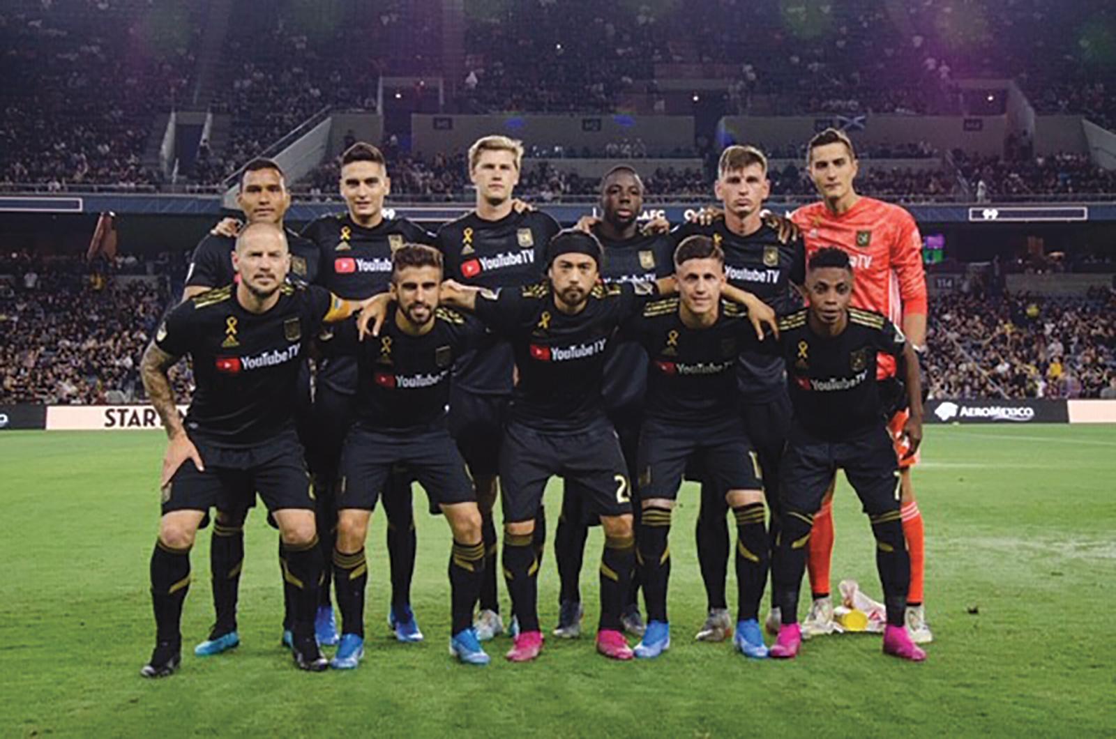 LAFC Pre Game Team photo. (K Preston Photography)