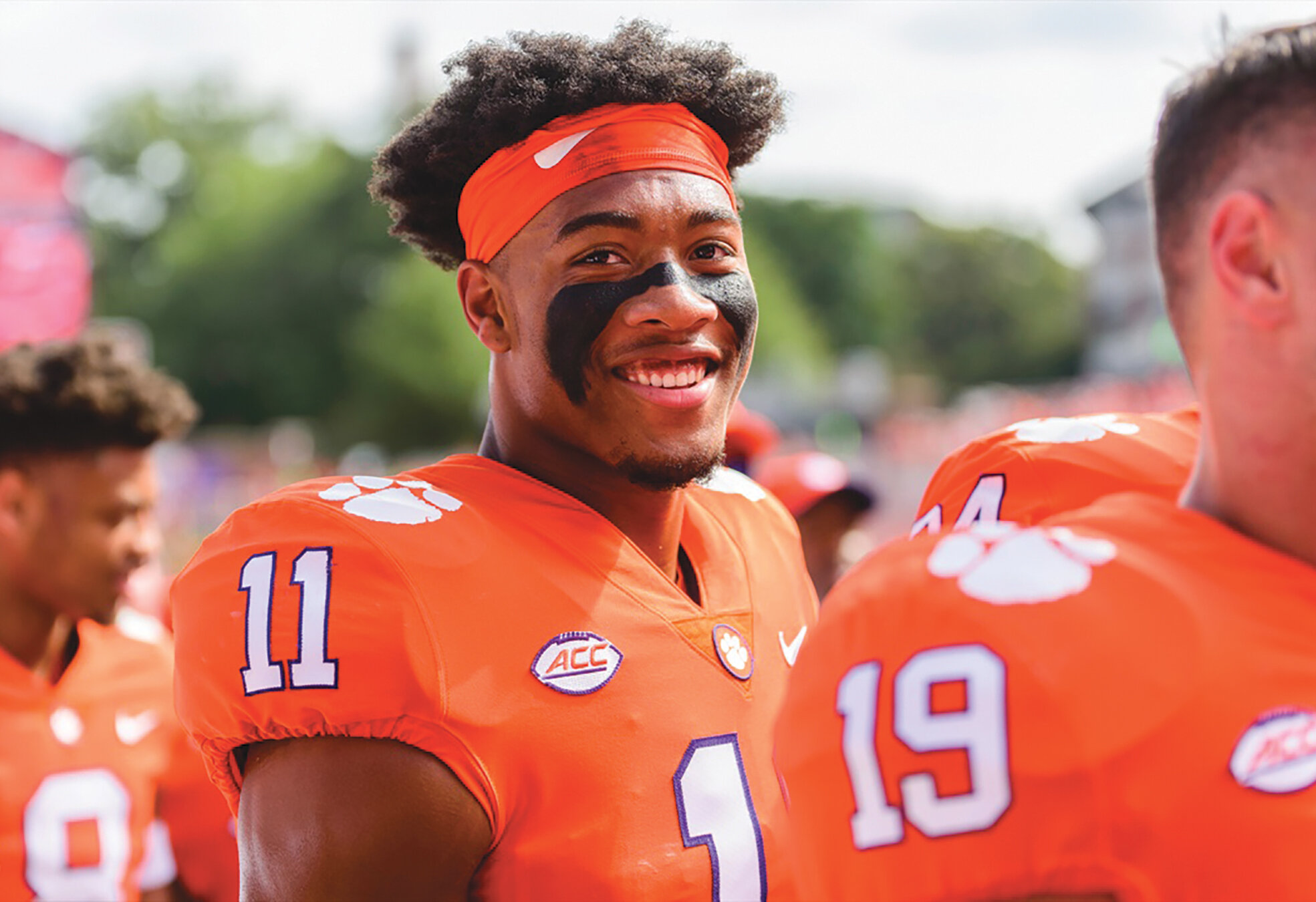 Isaiah Simmons (11) was Walter Camp Defensive Player of the Week. (Clemson Football)