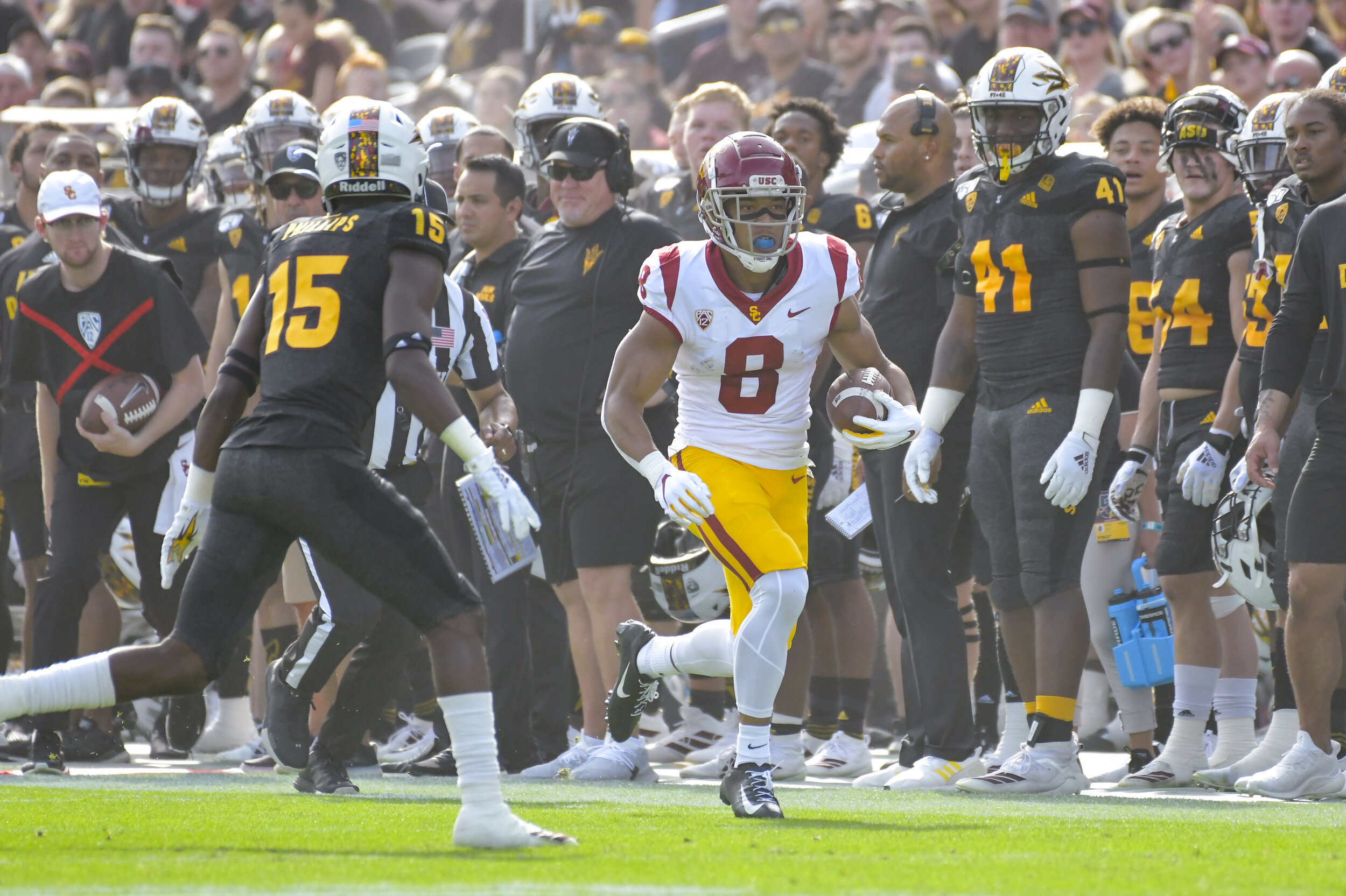 Trojan WR Amon Ra St. Brown (8) on his way for some of his 173 receiving yards. (Photo Credit: USC Athletics/John McGillen)
