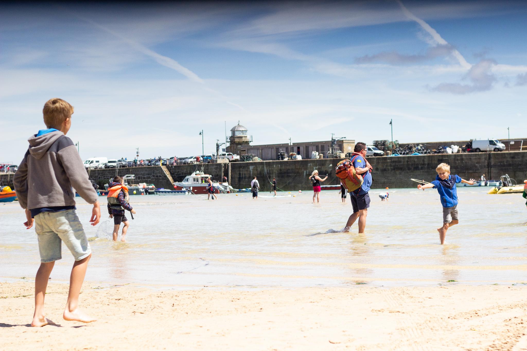 Frisbee on the beach……  #sunshinenotscreentime