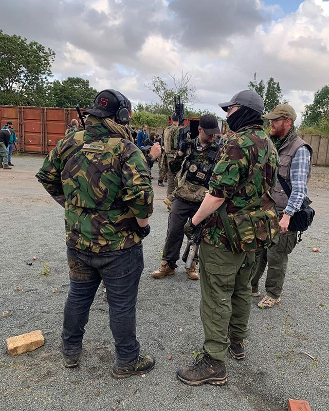 Doing a debrief after taking PB Archer Rocking that MCBLK Hat 😉 —————————————————— Available via the link in the bio —————————————————— #STactical #milsim #milsim_pics #airsoft #airsoftinternational #airsofter #airsoftgun #airsofting #airsoftuk #airsoftworld #L119A2 #airsoftobsessed #worldairsoft #airsofting #airsoftlife #Devgru #SF #UKSF #ThinLine #multicam #multicamblack #military #camo #army #navy #airforce #marines #apparel