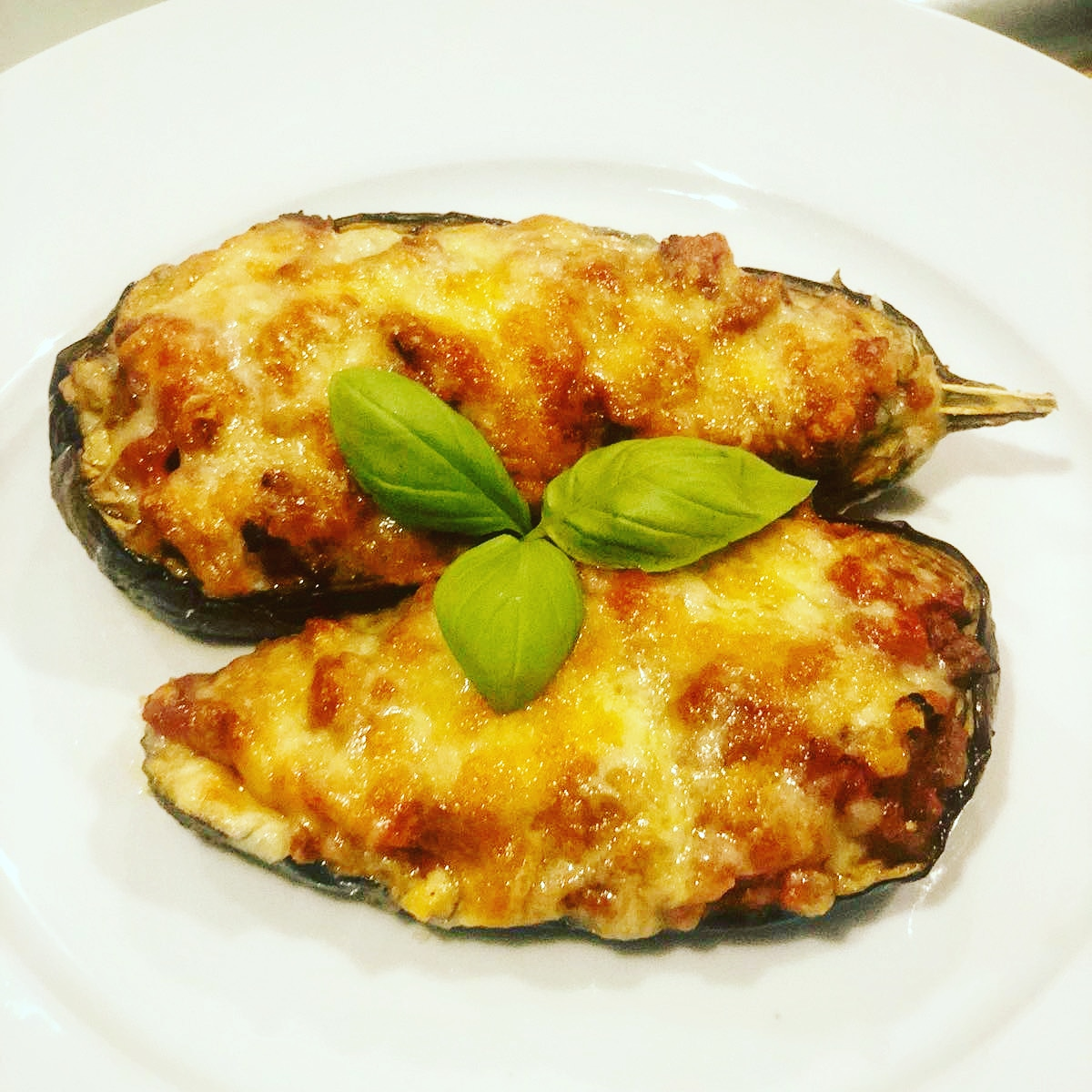 Aubergine Boats - Delicious option for lunch or dinner, great to accompany with rice.