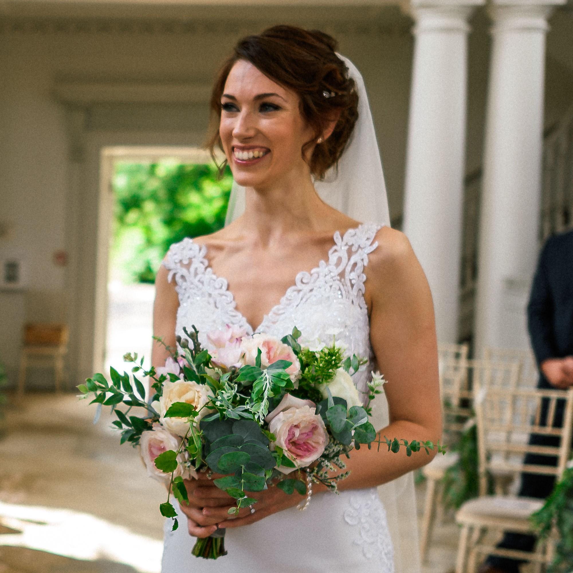 bride enter.jpg