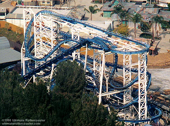 Flashback at Six Flags Magic Mountain, notice how close it was to Hurricane Harbor.