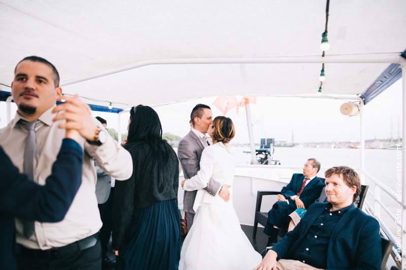 Mariage-sur-un-bateau-Bordeaux-Adeline-Este-Photographe99.jpg