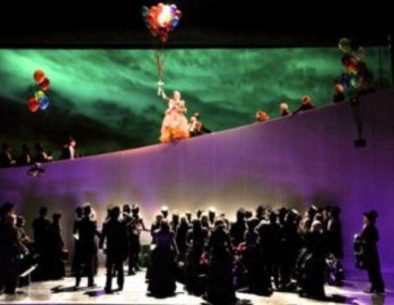 Ellie Dehn in Manon at San Francisco Opera last year