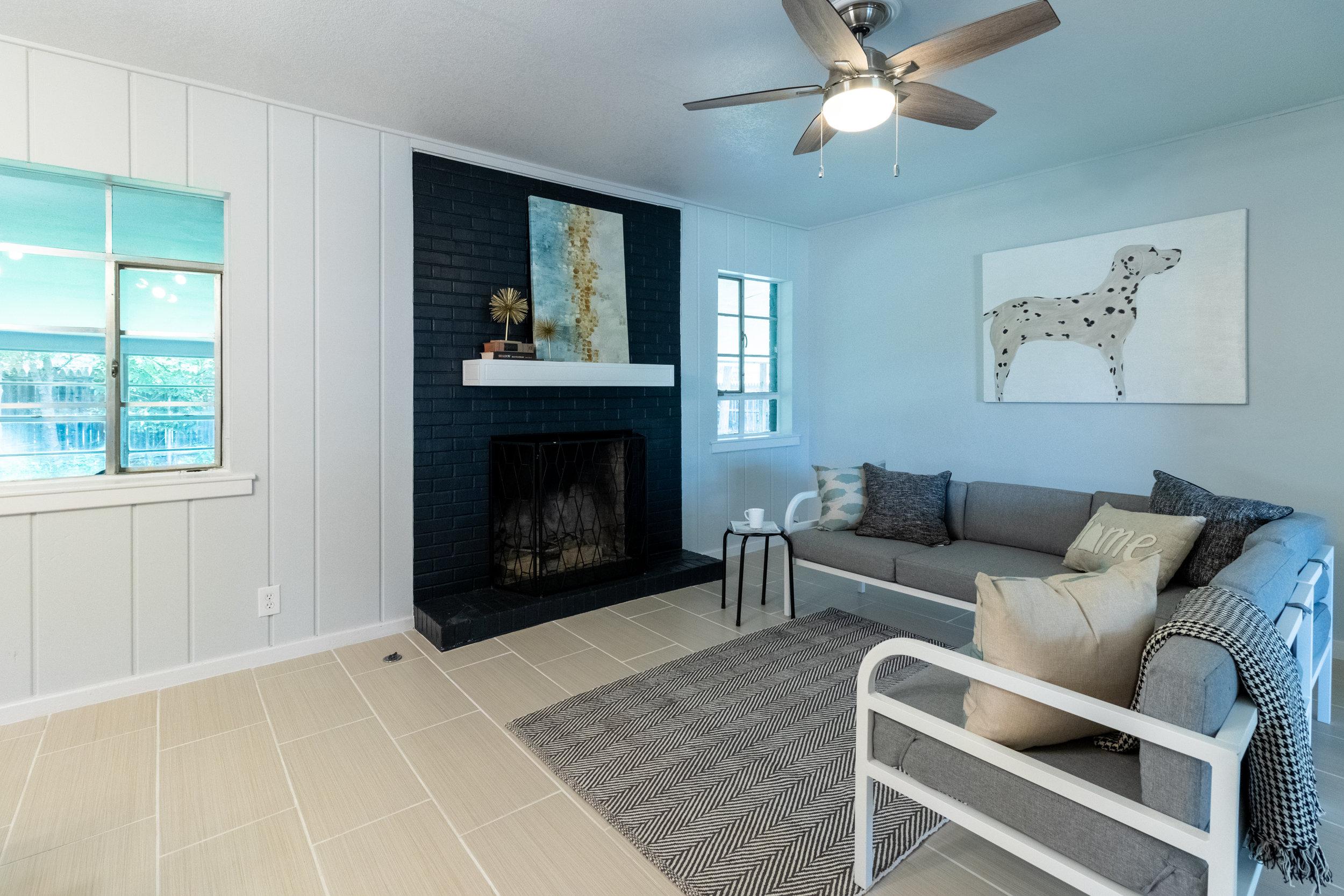 6 - Living Room 3.jpg
