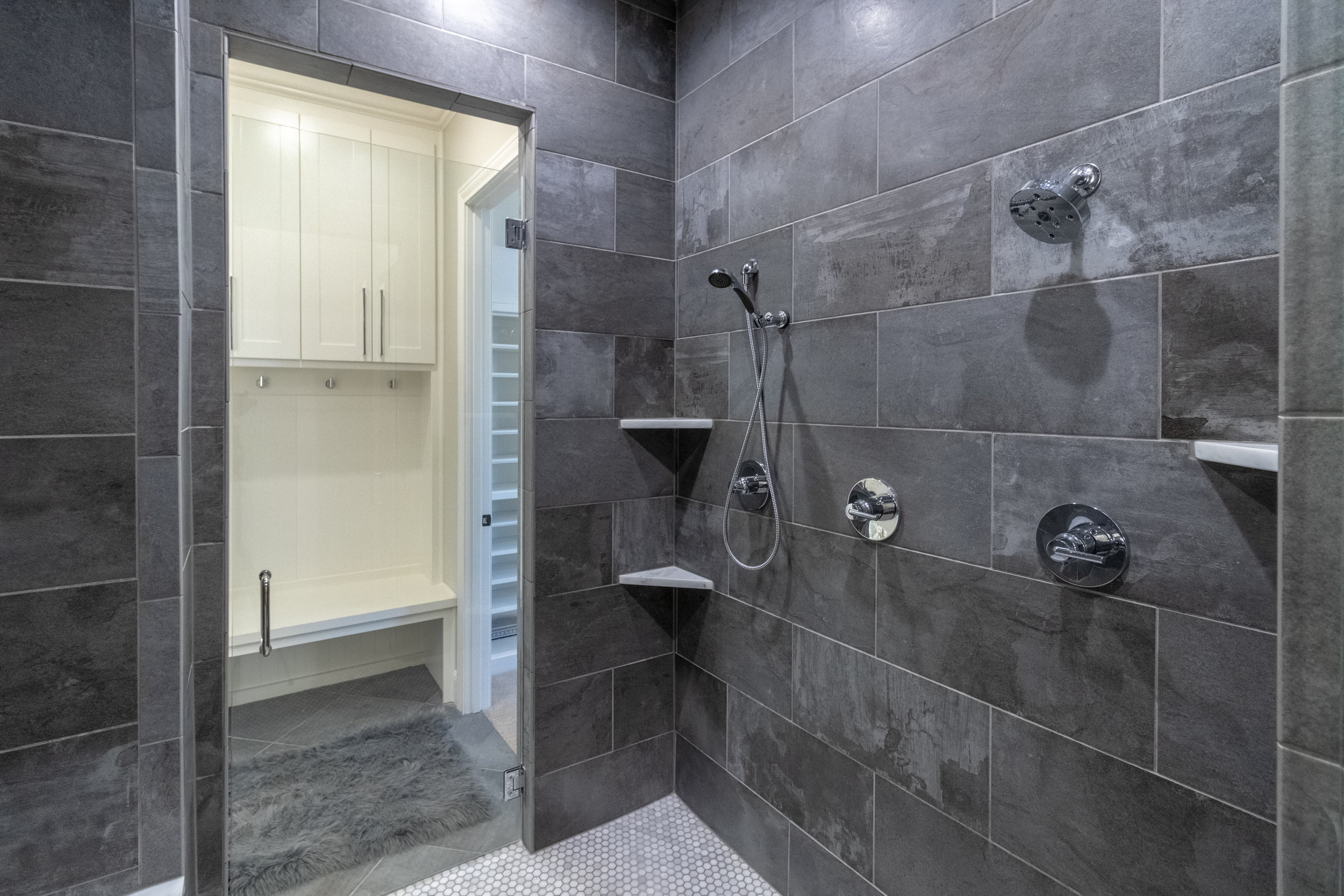 Master Bathroom-4.jpg