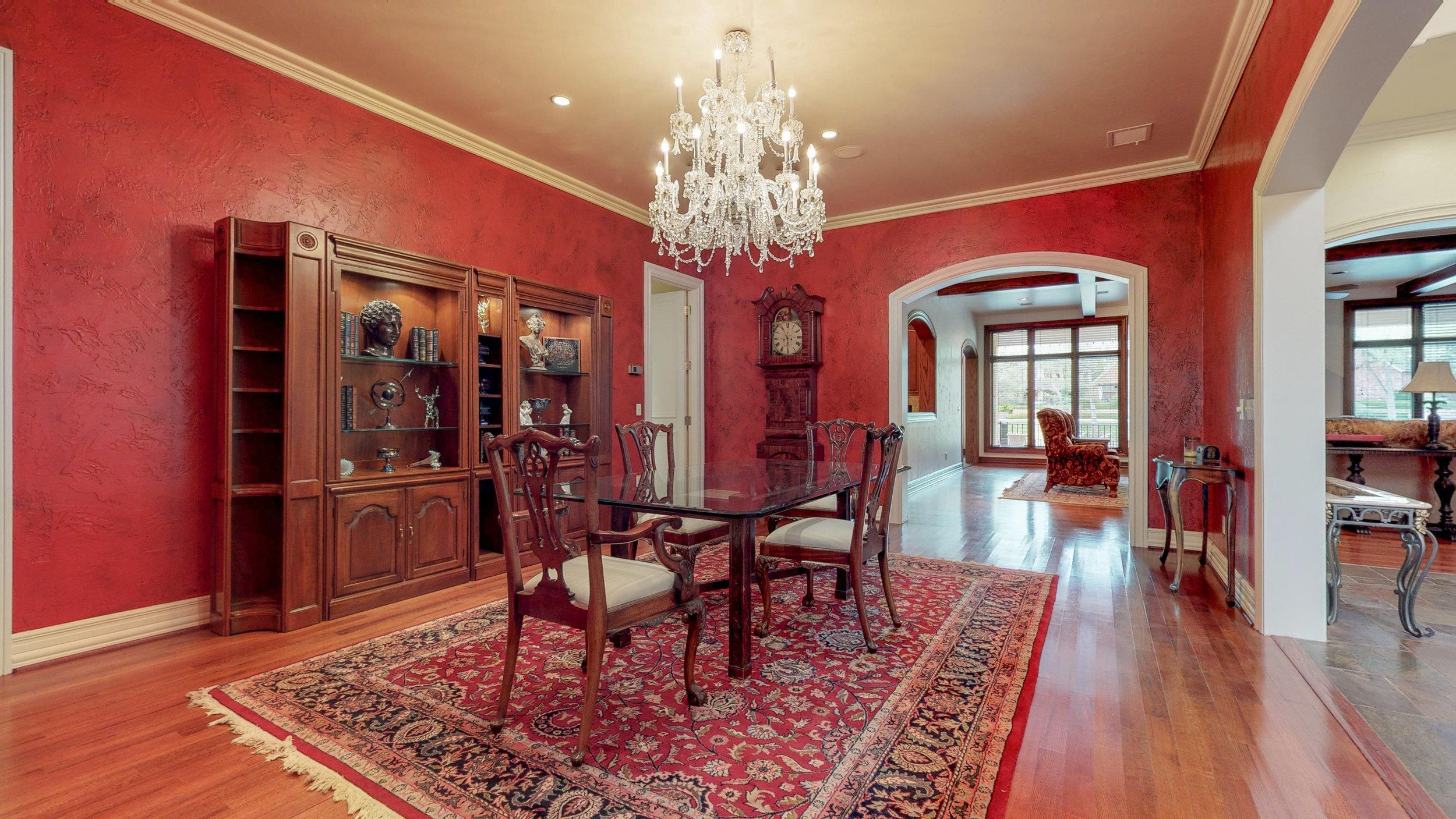 Formal Dining Room-2.jpg