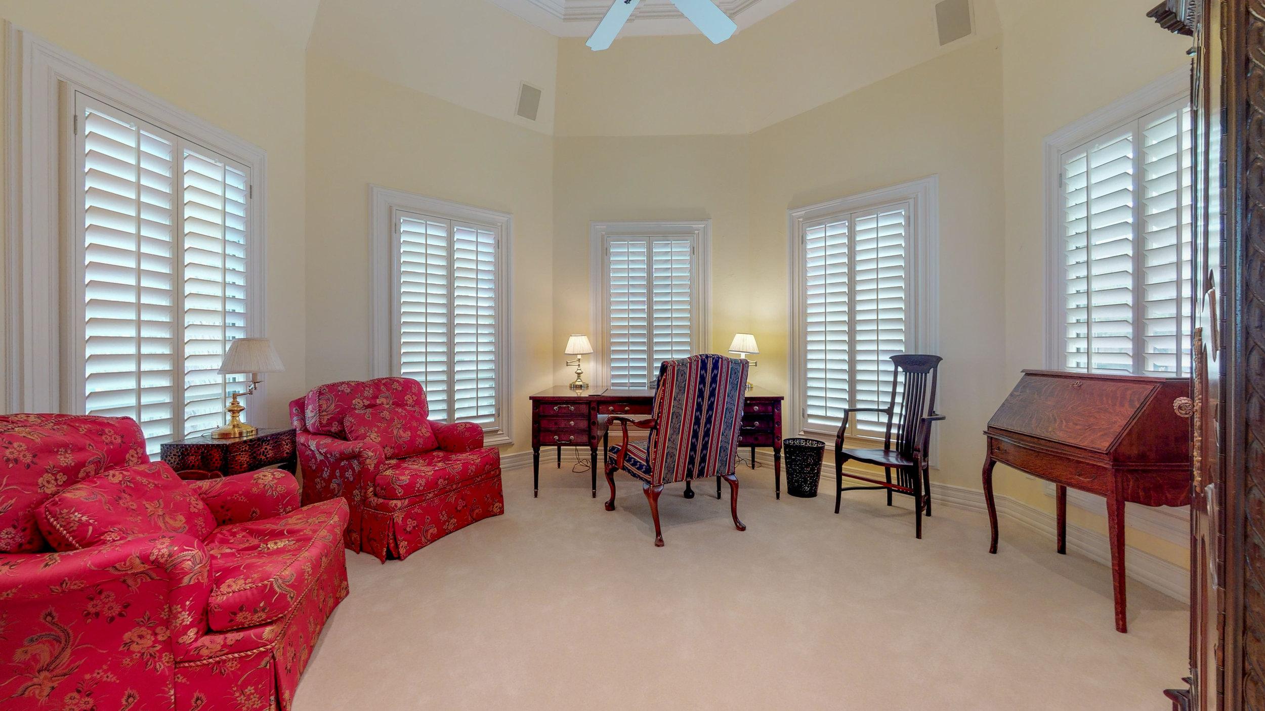 Master Sitting Room.jpg