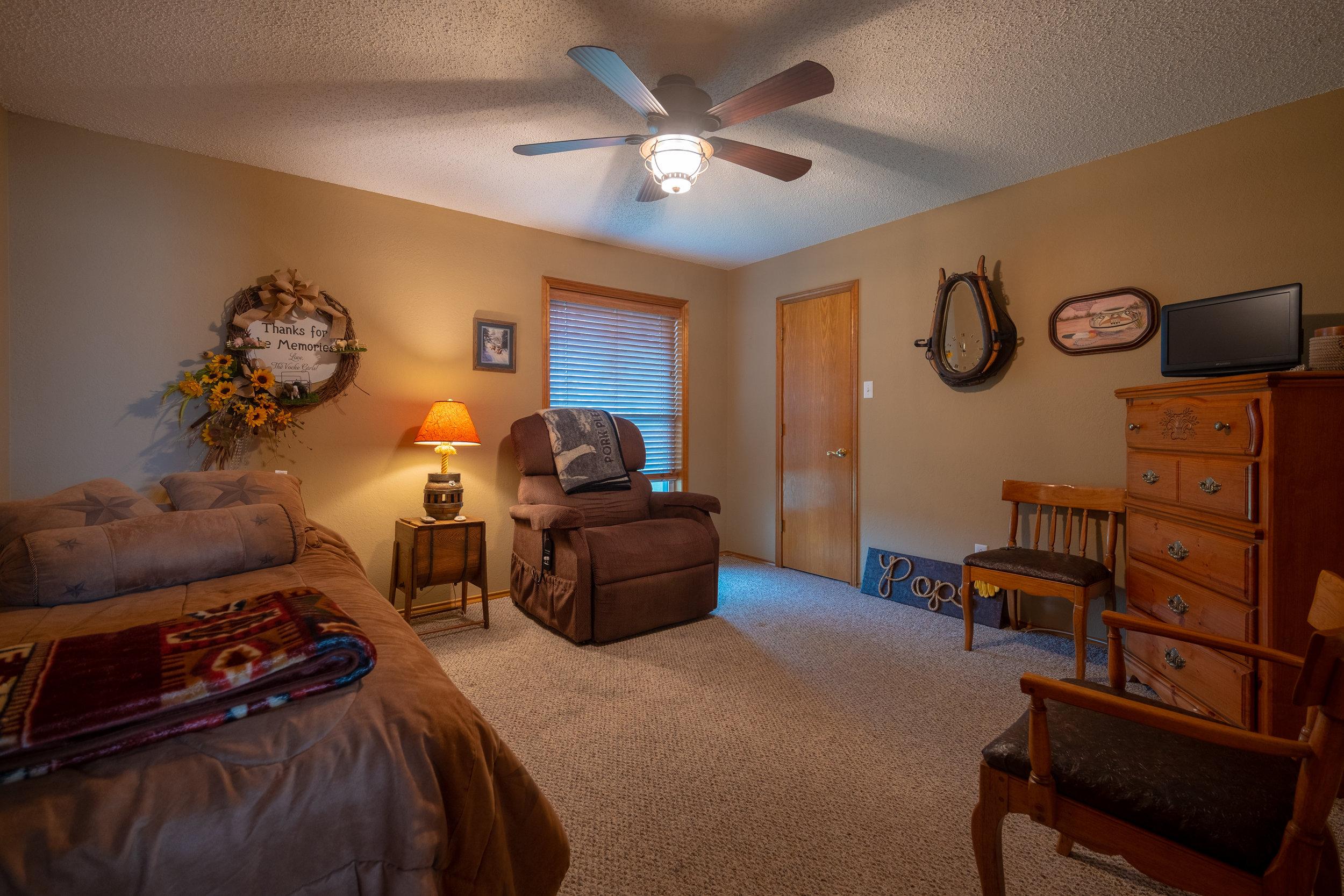 H1 - Bedroom 3-1.jpg