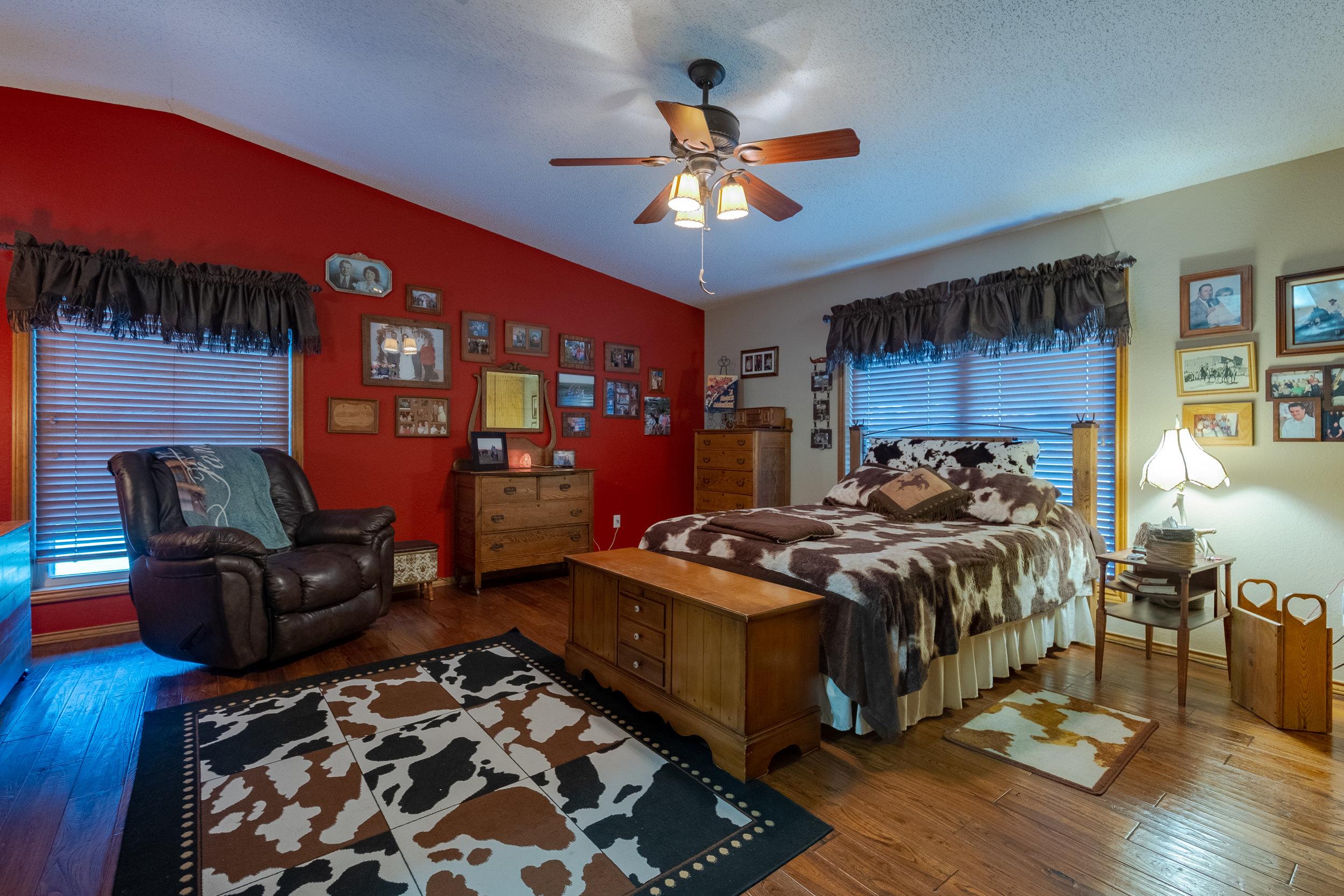 H1 - Master Bedroom-1.jpg