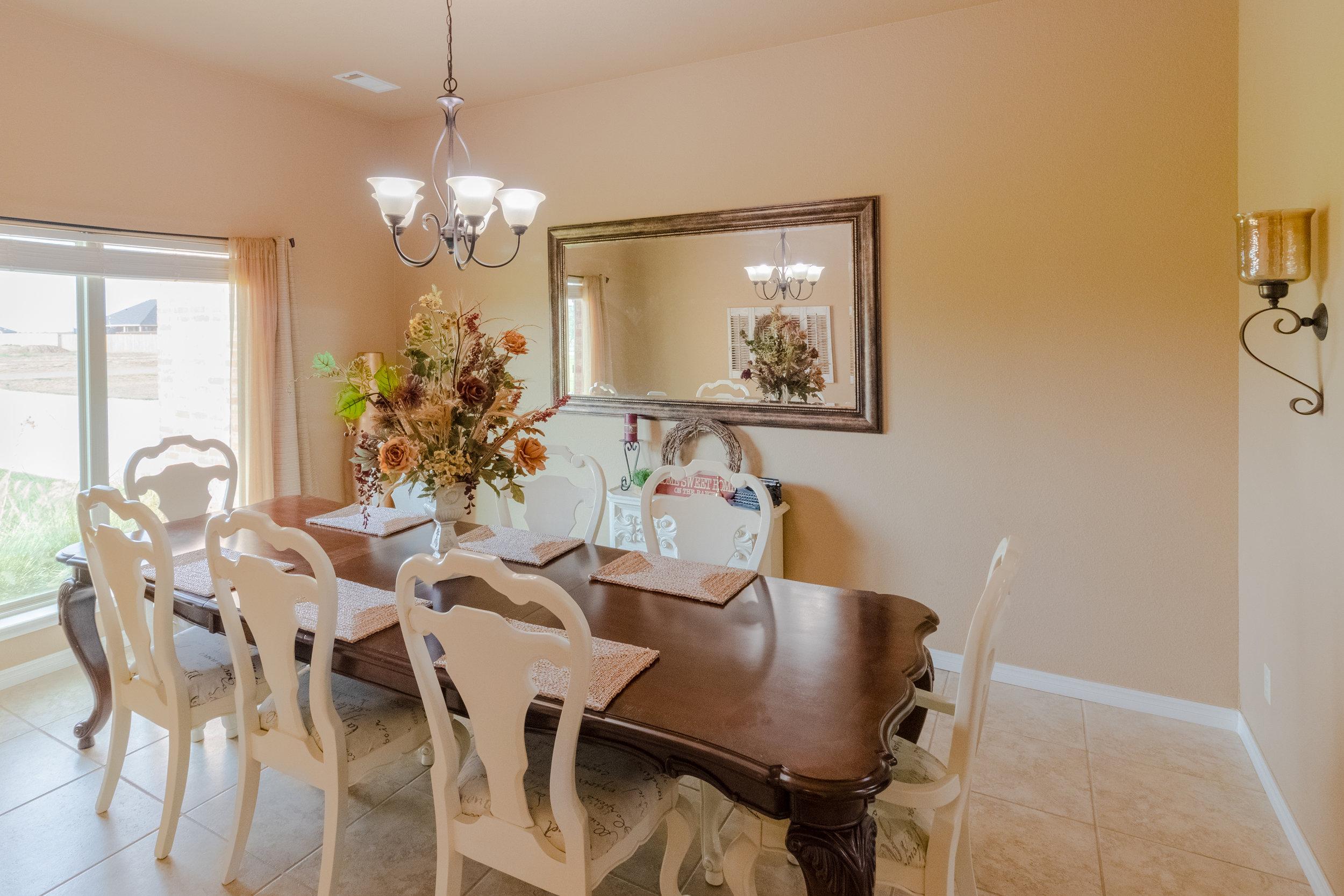 Formal Dining Room-1.jpg