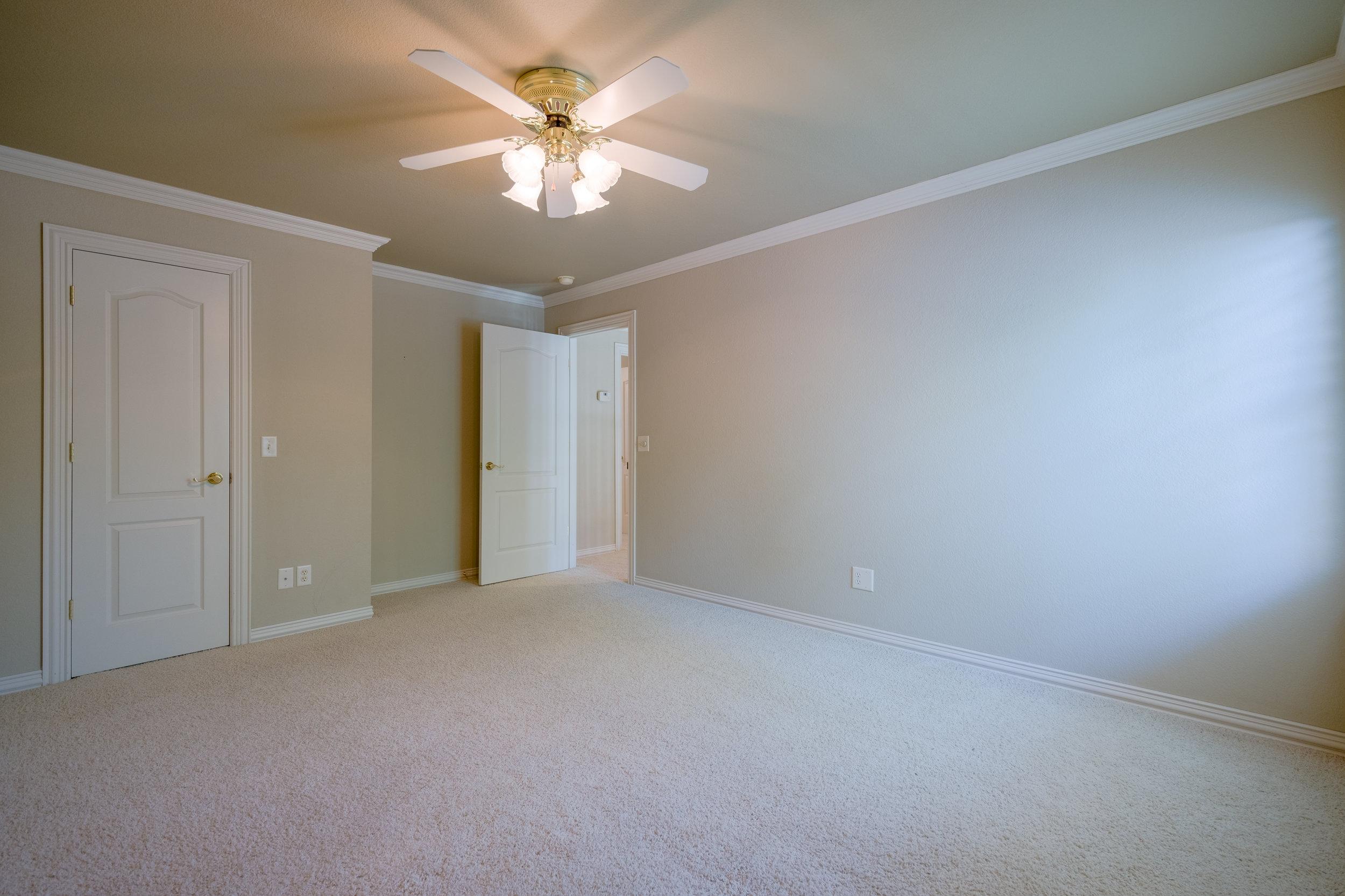 Bedroom 3 (upstairs)-2.jpg