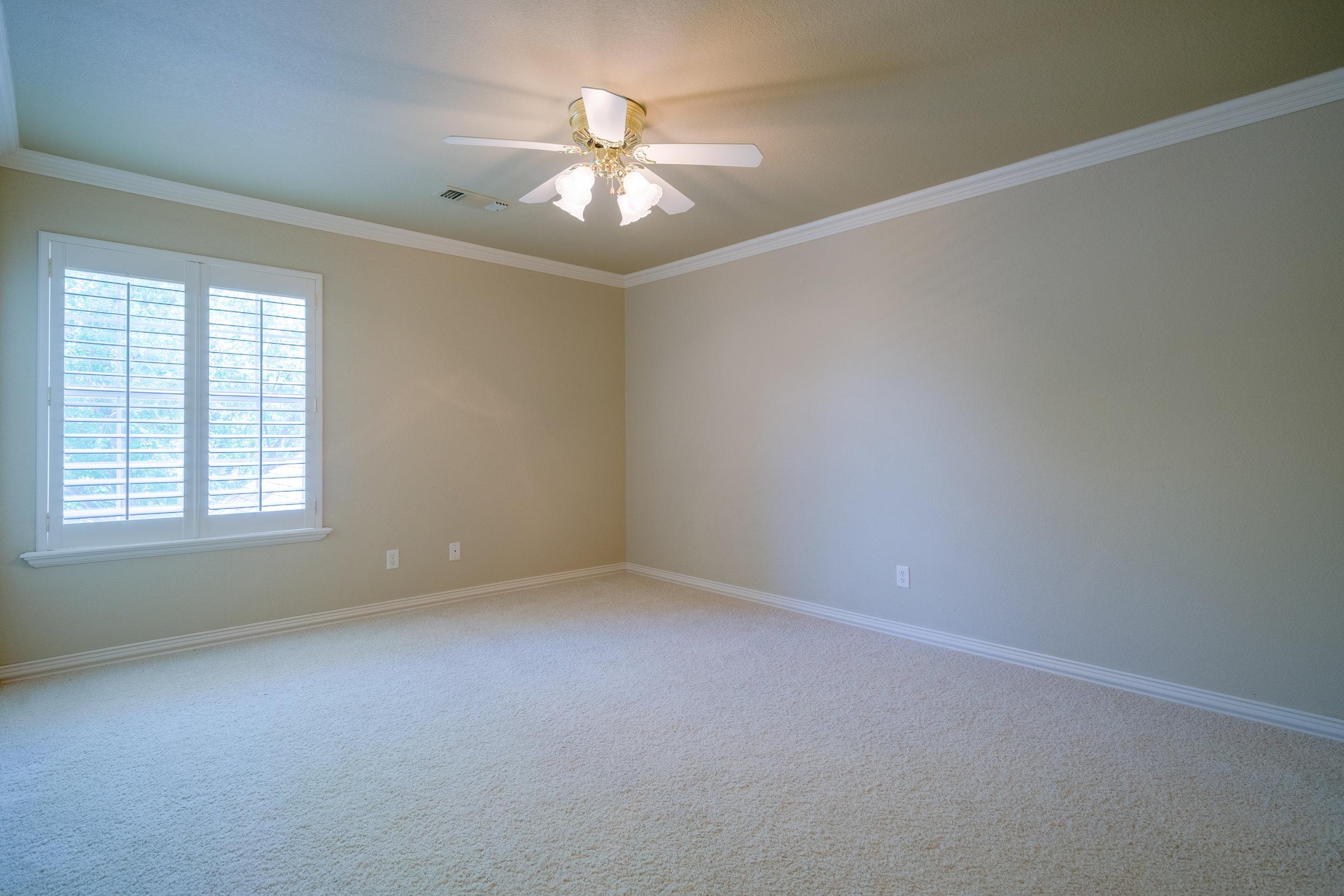 Bedroom 4 (upstairs).jpg