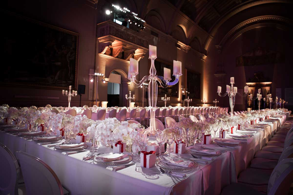 Tablescape Raphael gallery v&a museum White dinner table setting