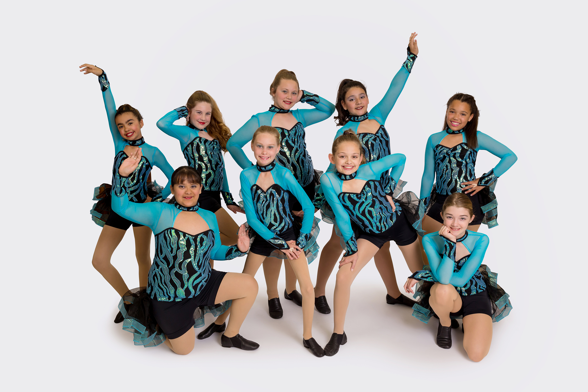Picture Day Volume Photography - We service groups of all sizes from school extracurricular groups and teams to dance studios and club sports teams. Typical picture day pricing in which parents order photo packages is used.