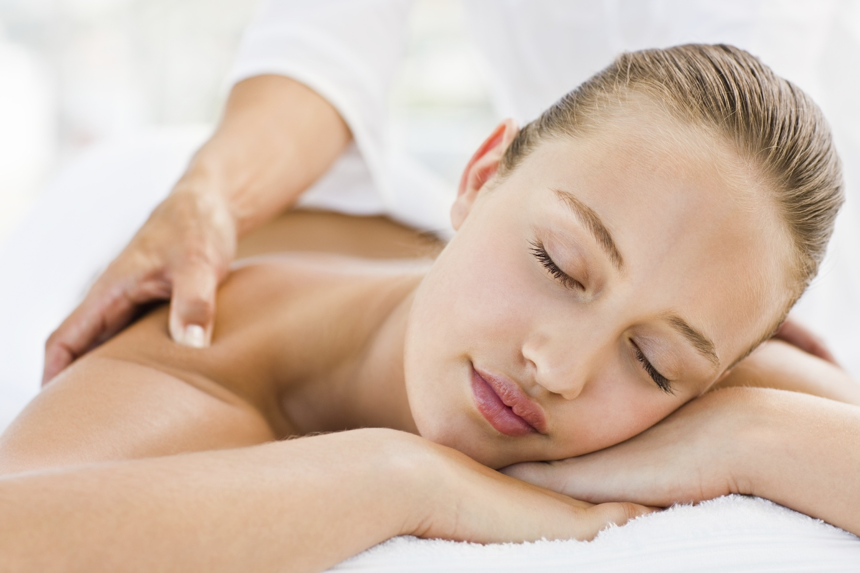 Corporate Rates - Take some well deserve self care, and make HealFlow your home away from home.With our Corporate Rate you just need to book at least one massage per month, and will have a preferred rate with us for all your appointments.Be part of the family.Contact us through email and become part of the HealFlow family: reservations@healflow.ca