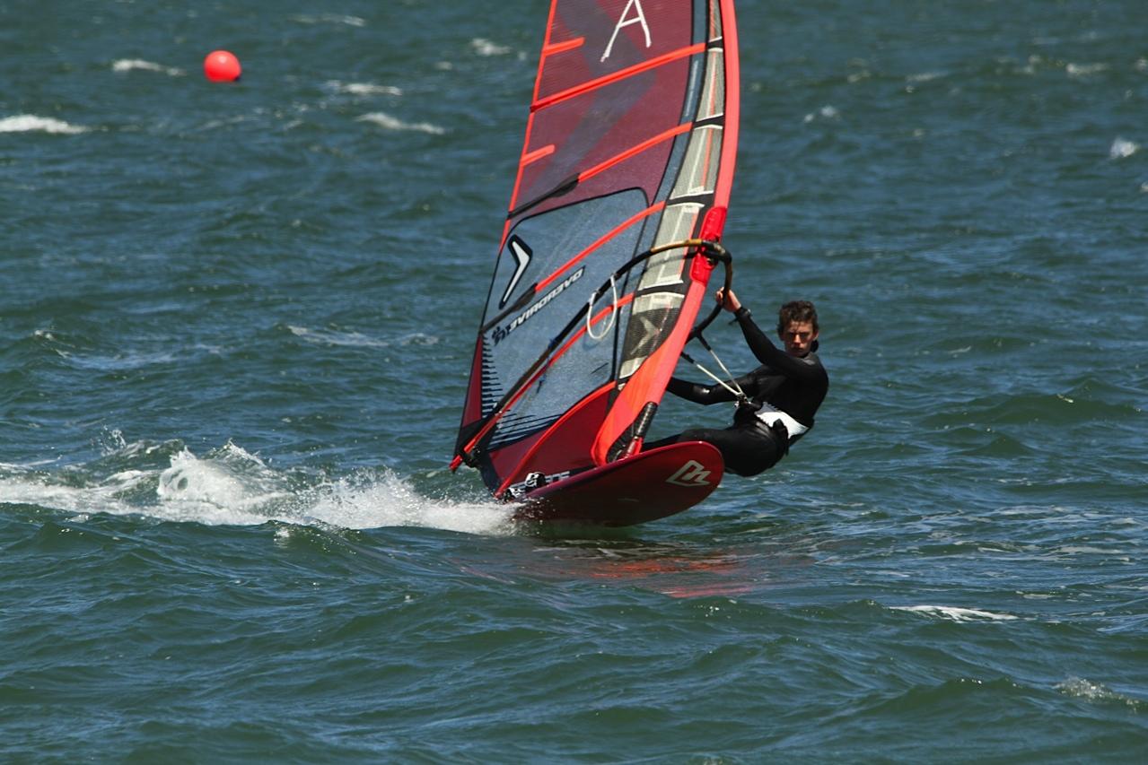 William-Novak-Blasting-Windsurfing