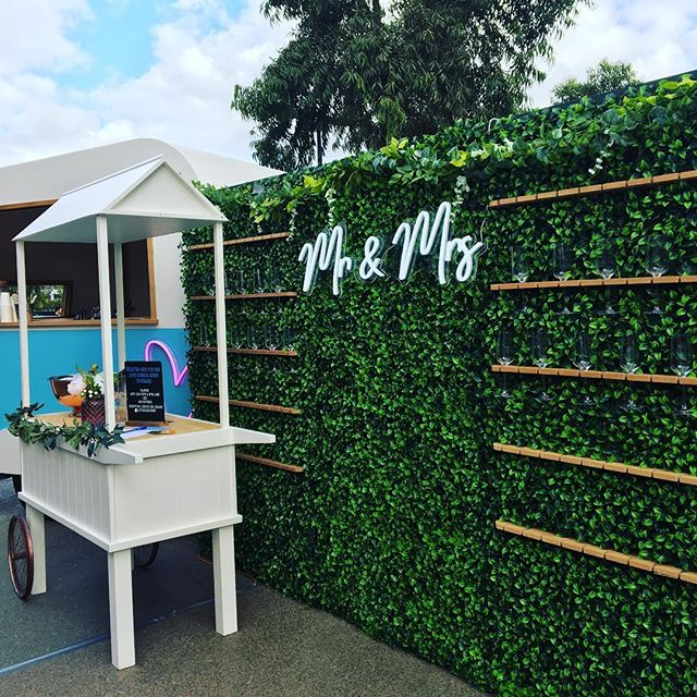 Olive our Prosecco Cart and Champagne Wall are like two blank canvasses waiting for their Picasso artwork - meaning you can style them to match your event! Think balloons, signage, garlands, and lights 🎈🎉💛 All bars are BYO and these two can be hired as dry hire 🥂 Enquire now is our bio ➡️ . . #caravanbar #mobilebar #vintage #vintagecaravan #willow #vintagecaravanbar #mclarenvale #mclarenvalewine #mclarencvalewedding #fleurieu #sa #southoz #southaustralia #adelaidehills #adelaidehillswines #hills #barossavalley #barossawines #Adelaide #wedding #adelaidewedding #vintageweddings