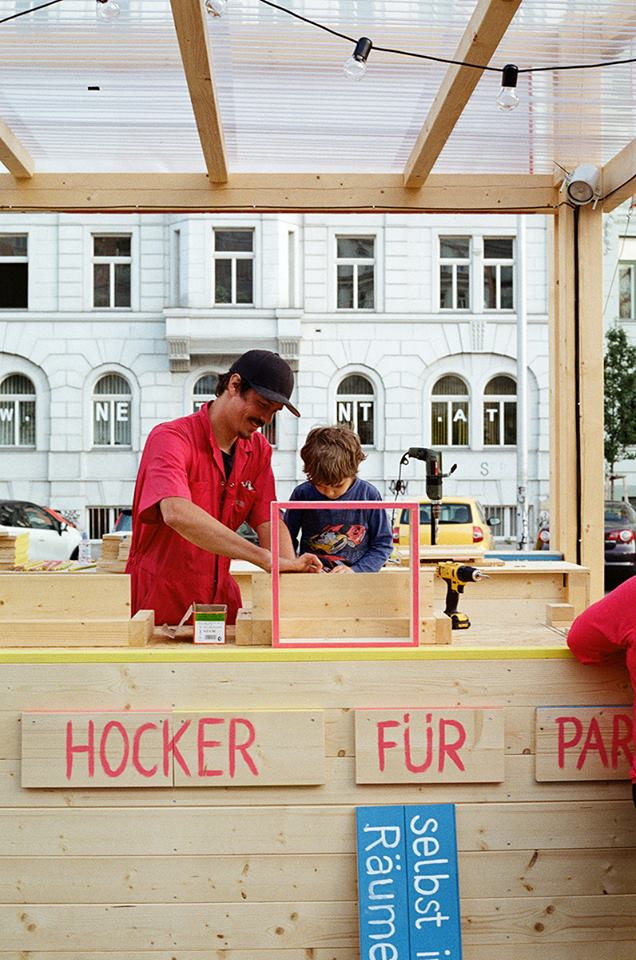 In general, everyone interested was invited to organize an event at Park. The following events were coordinated: Concerts, Open Air Cinema, Readings, Dinners & Workshops (silk screen, animation, wood and more).  Next to the events a set of talks and lectures were provided by Team Wien.