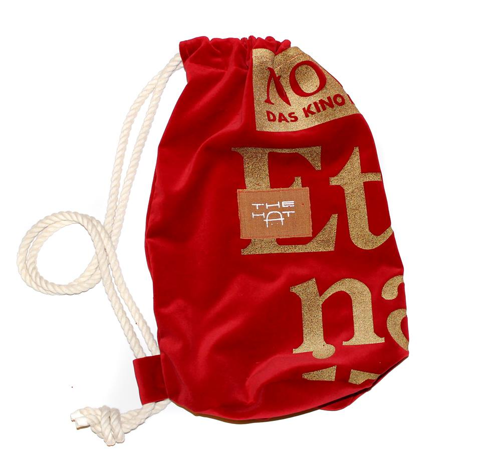 Once our textiles posters expired, they were transformed into bags by TheHat-Design or picnic blankets.
