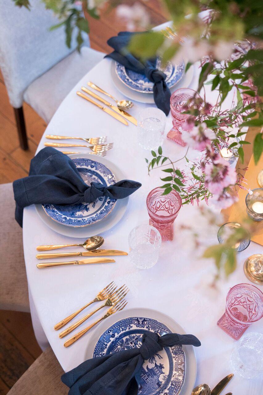 Blue/White Dinner Plates/Bowls I $2.00
