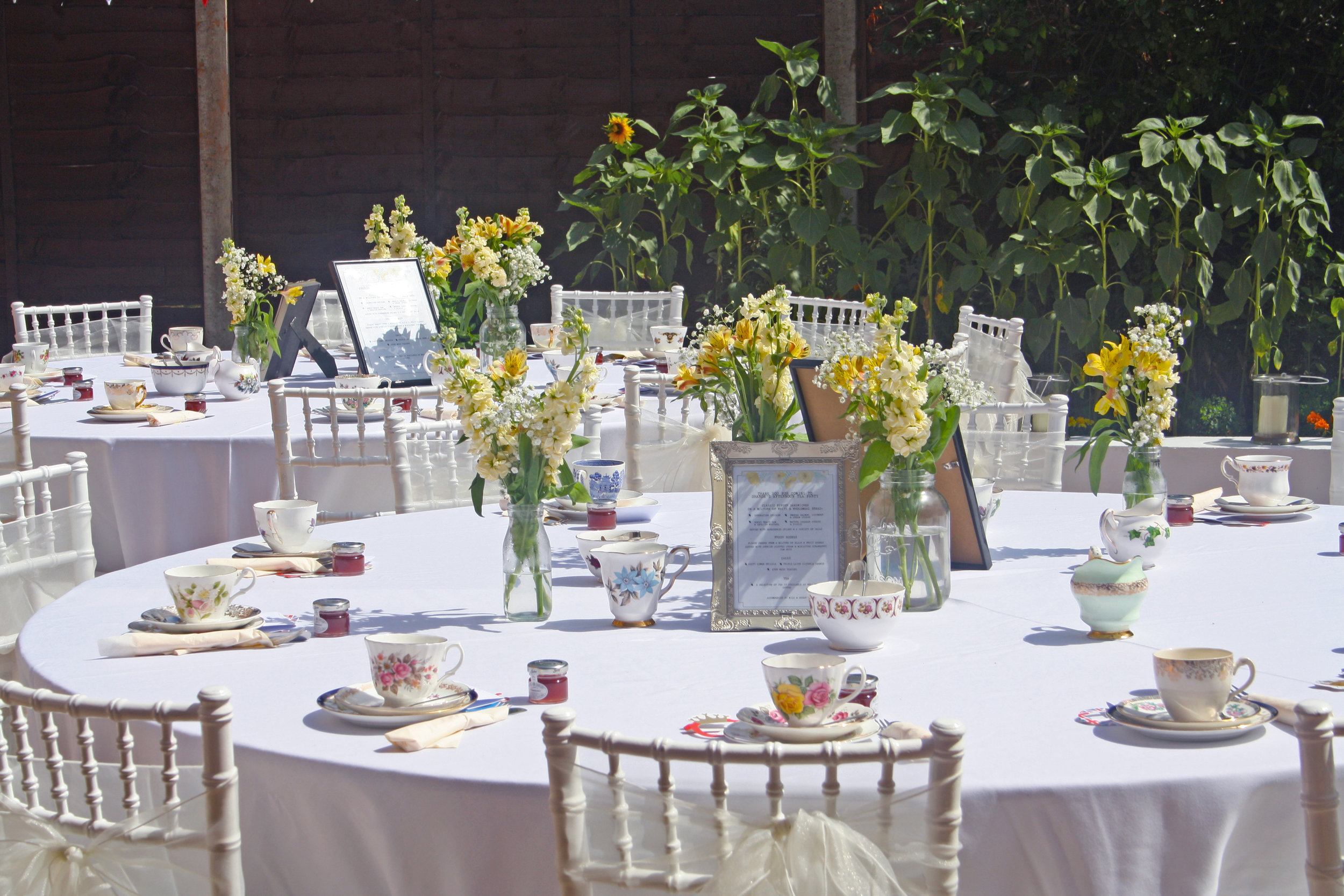 We also provide our Classic Vintage theme for weddings & all other events up to 80 guests at present.