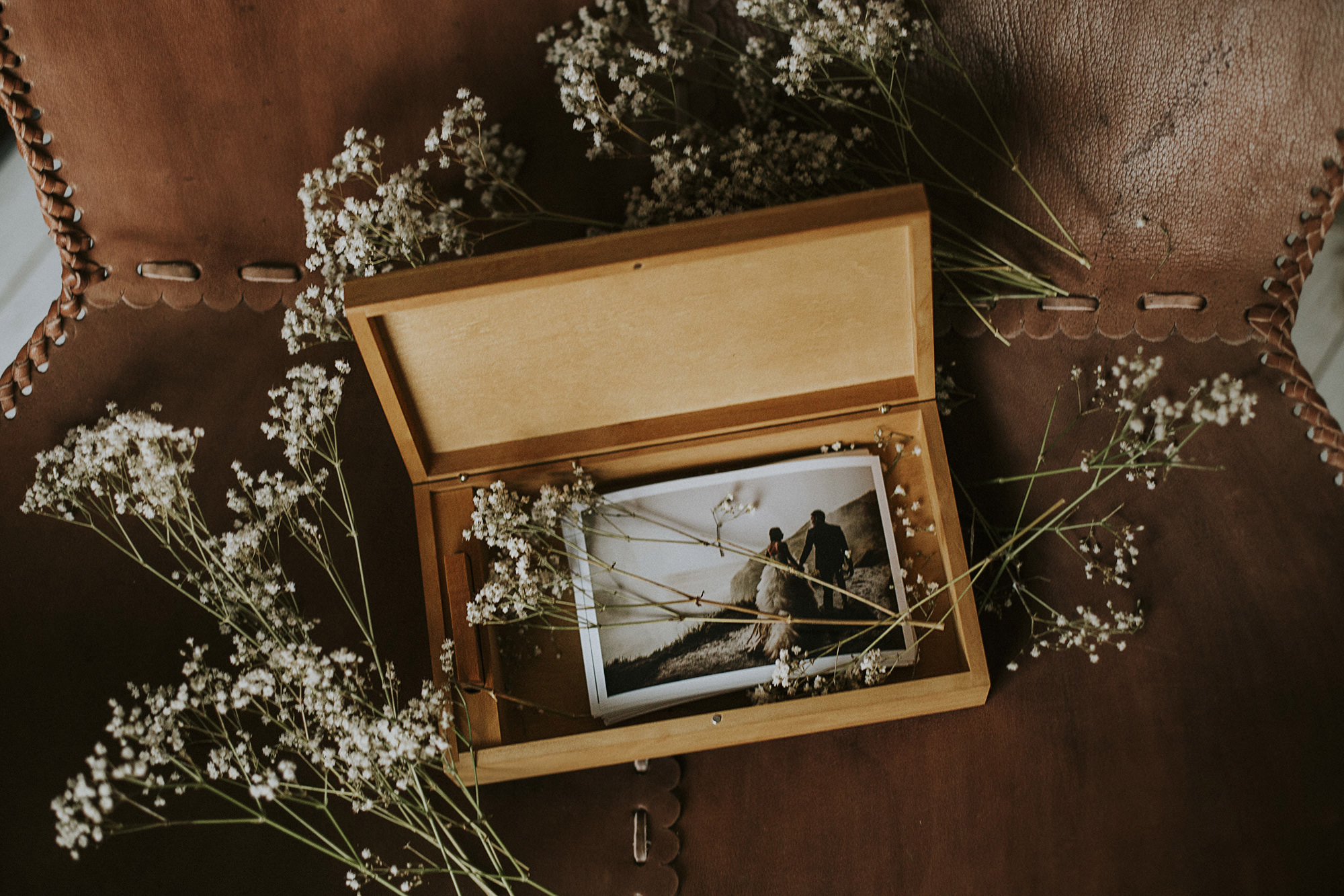 The Oak - Beautifully Crafted With USB & Candid Polaroid's