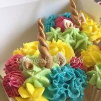 uncorn cupcakes.jpg