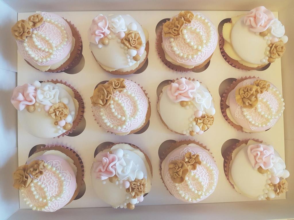 vintage cupcakes 2.jpeg