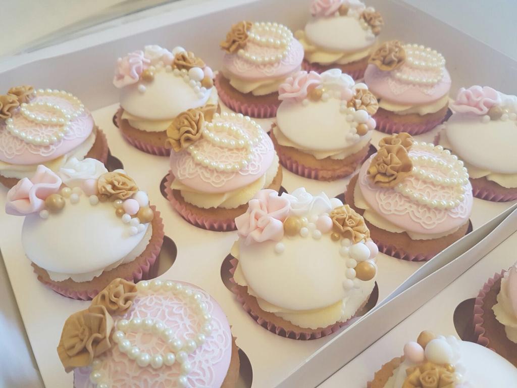 vintage cupcakes 3.jpeg