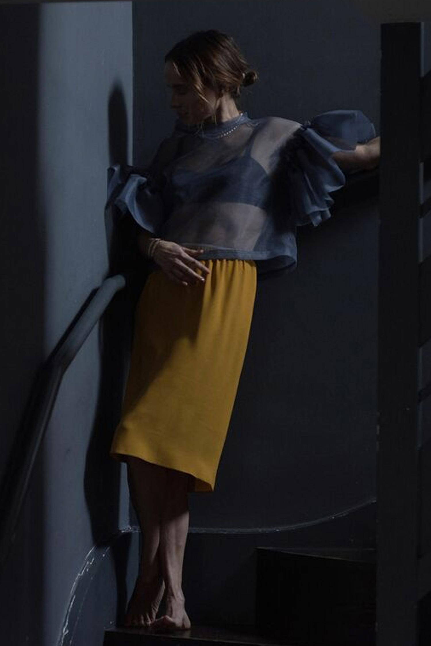 Rosa Macher Organza Top in Gris Foncé and skirt 001 in Mustard