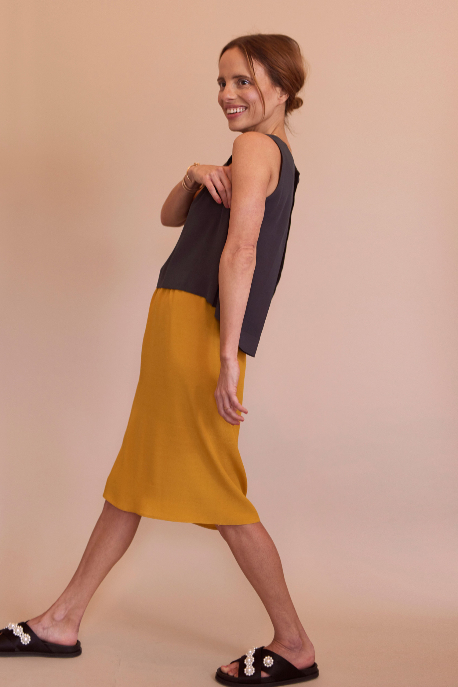 Rosa Macher Sleeveless Top 001 in Charcoal and Skirt 001 in Mustard