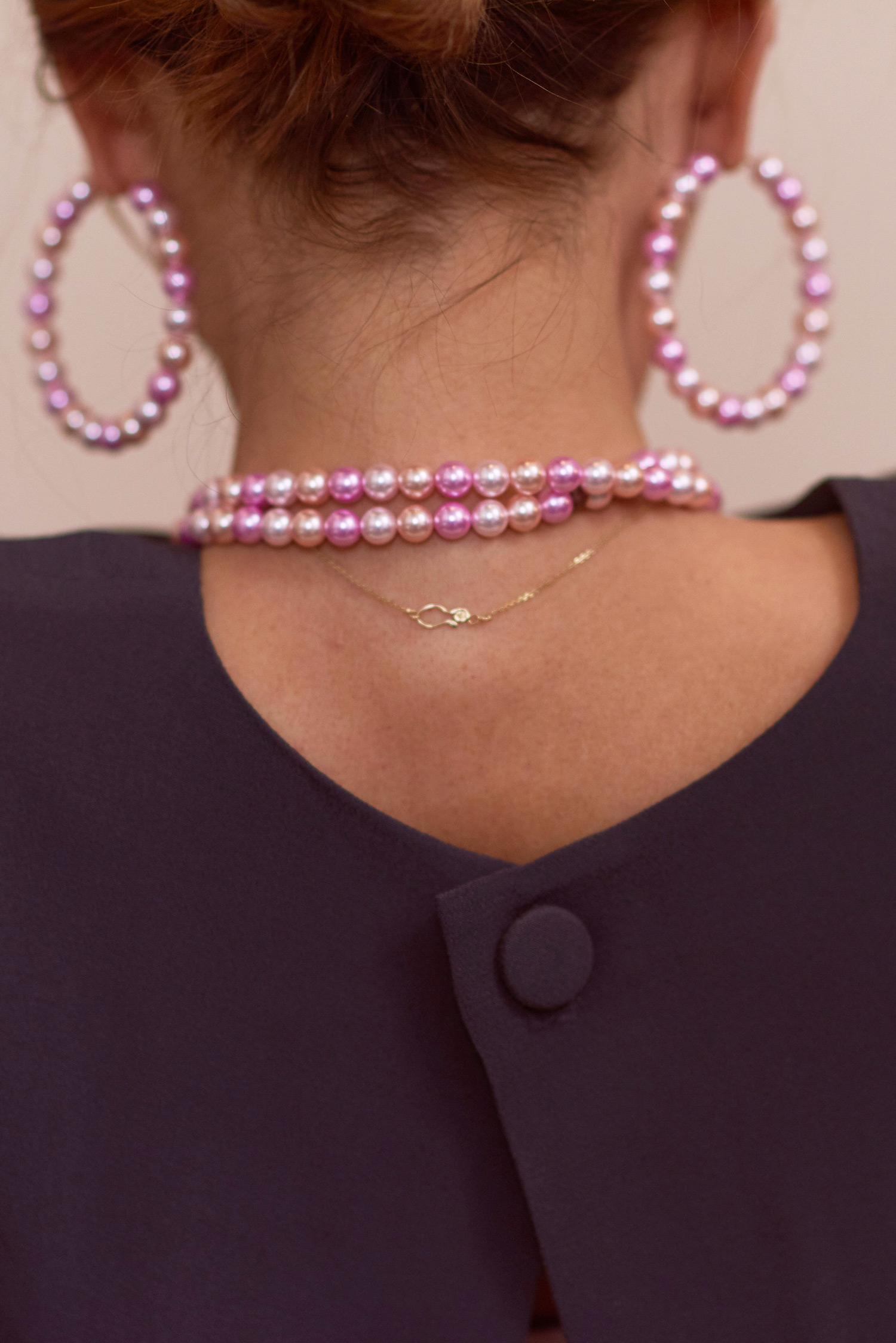 Rosa Macher Top 001 in Charcoal and pearl necklace and hoops in multi
