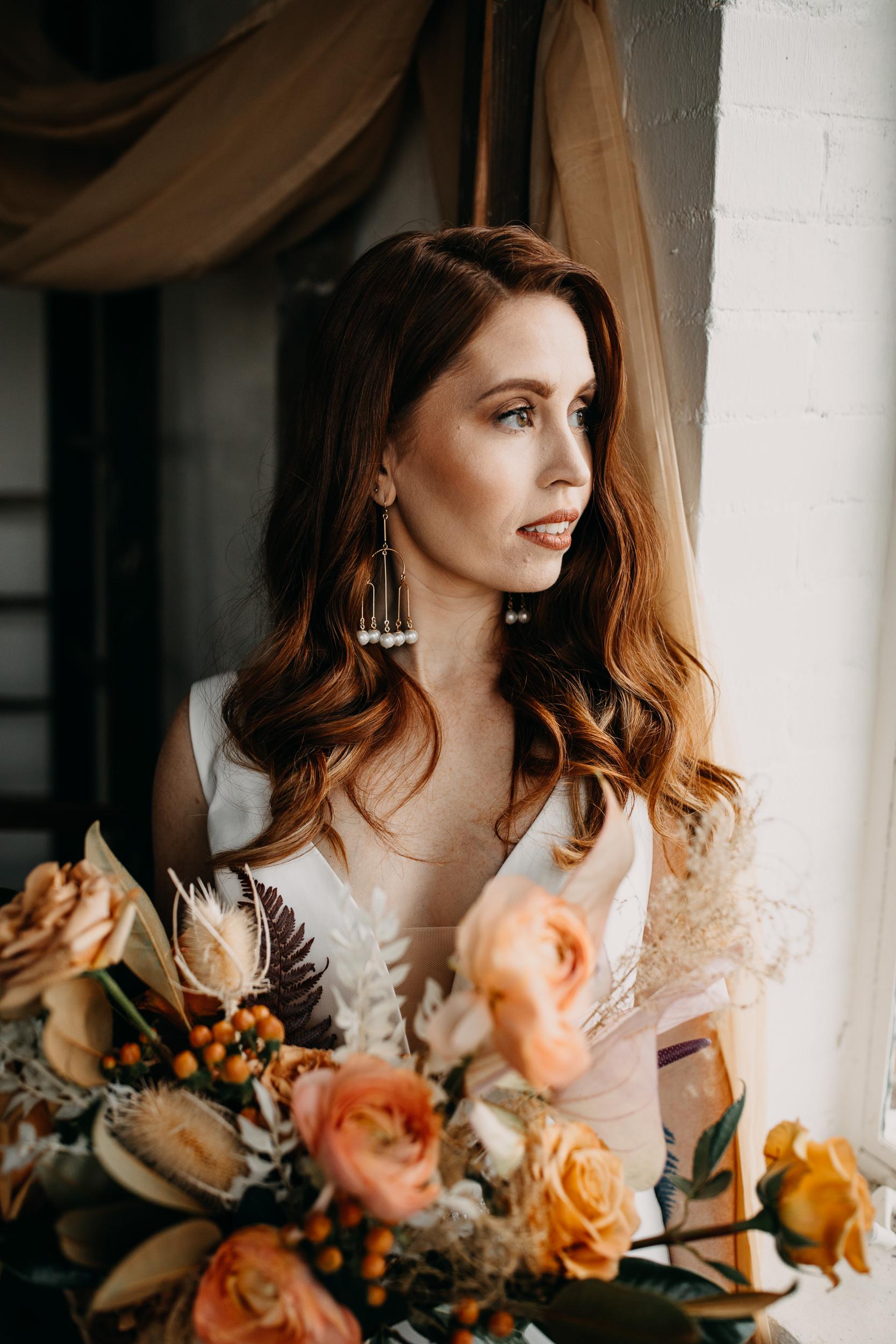 earthy bouquet. earth wedding. earthy bride. earthy flowers. earthy elopement. earthy wedding decor. earthy wedding colors. earthy wedding dress. earthy wedding details.