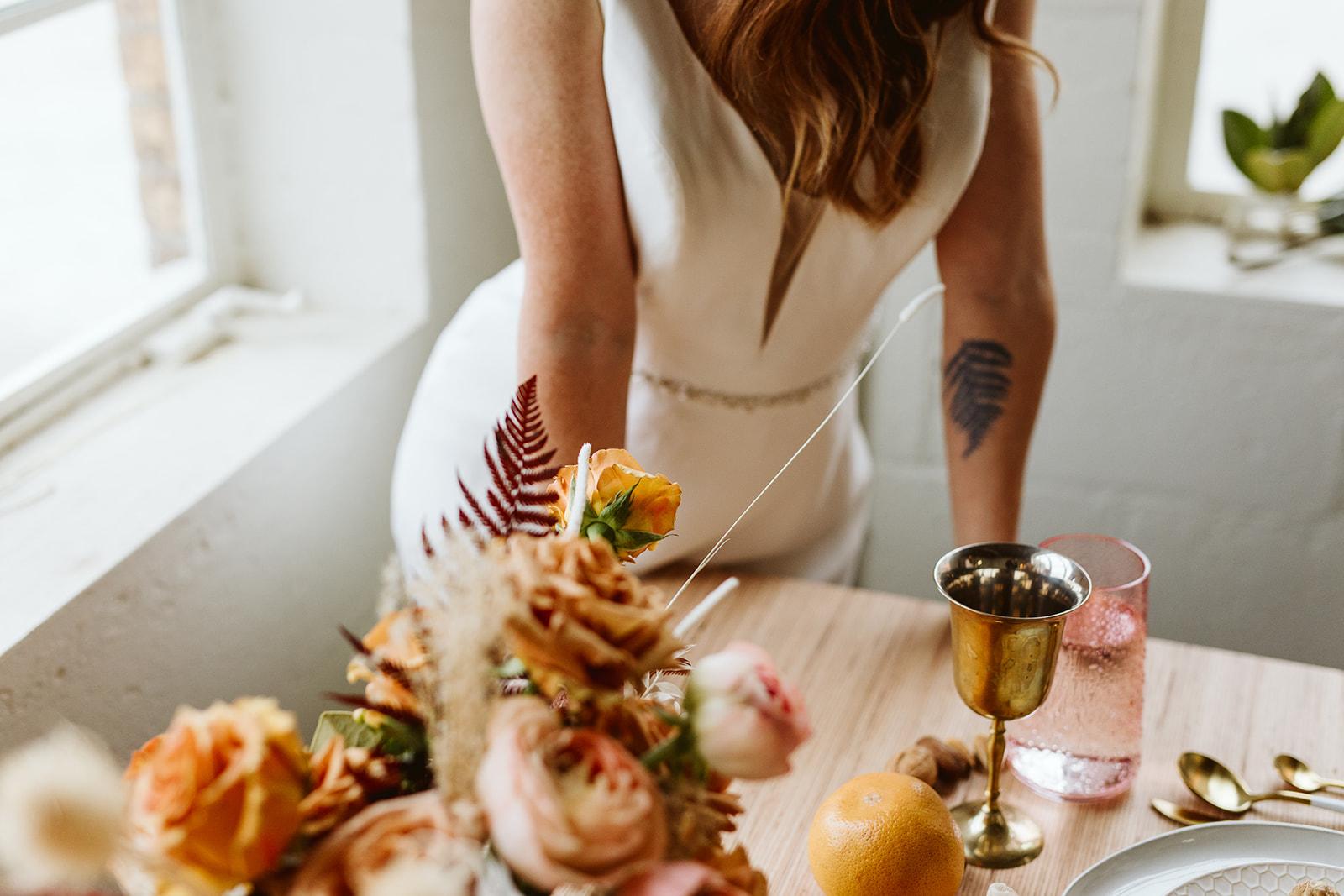 modern tablescape. loft wedding. bright wedding. airy wedding. airy elopement. beautiful tablescape. eclectic wedding.