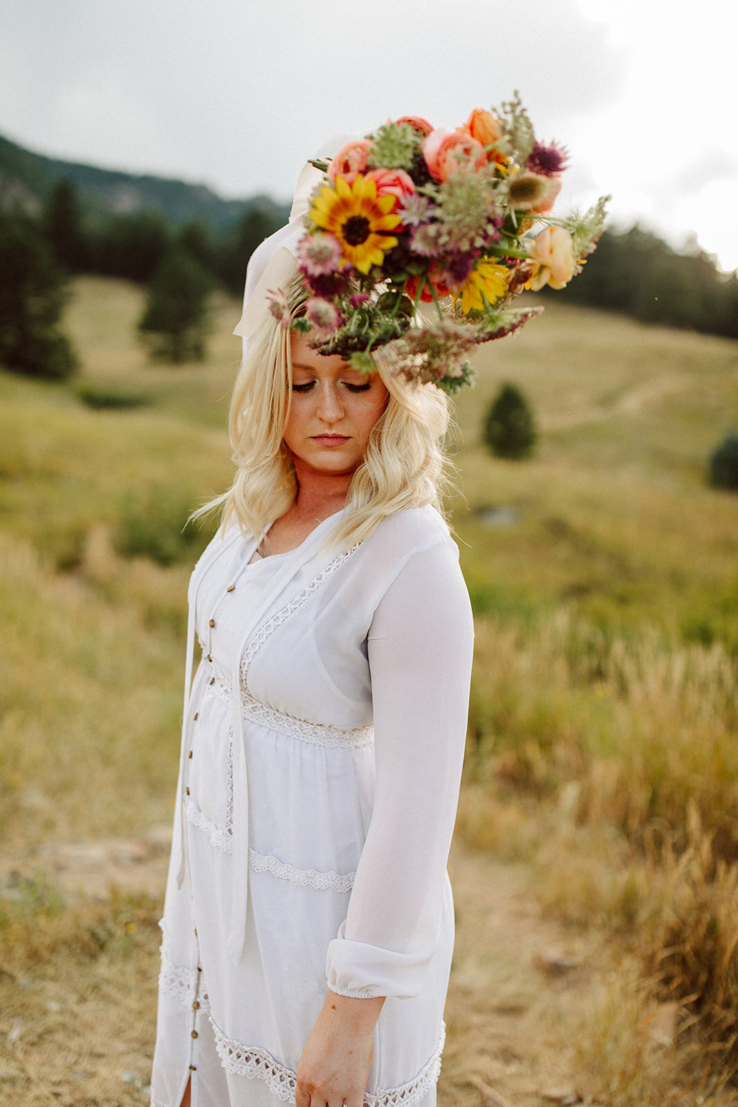 wild boho bridal bouquet in mountains