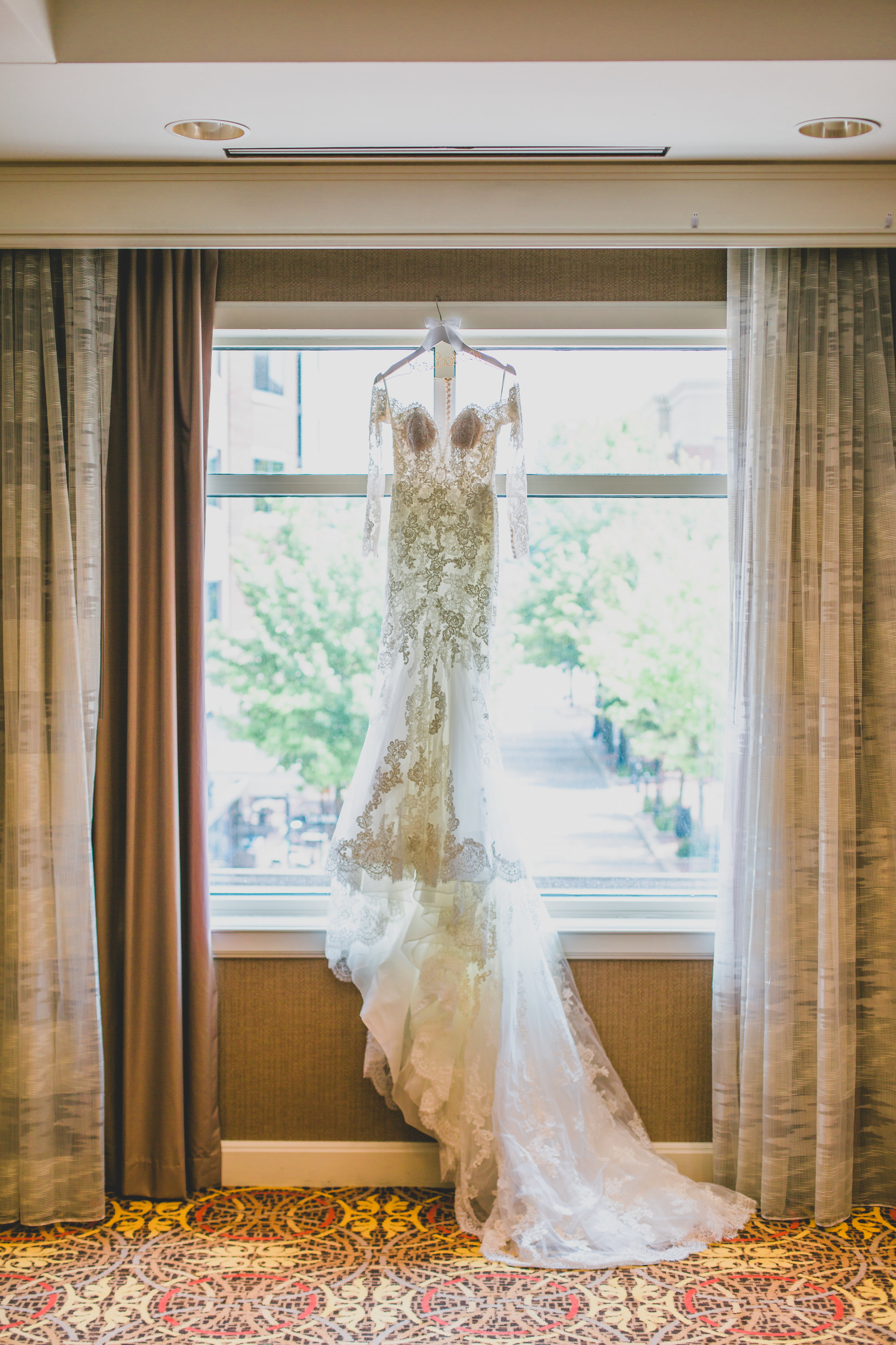 sugar-land-tx-wedding-photography-marriott-dress