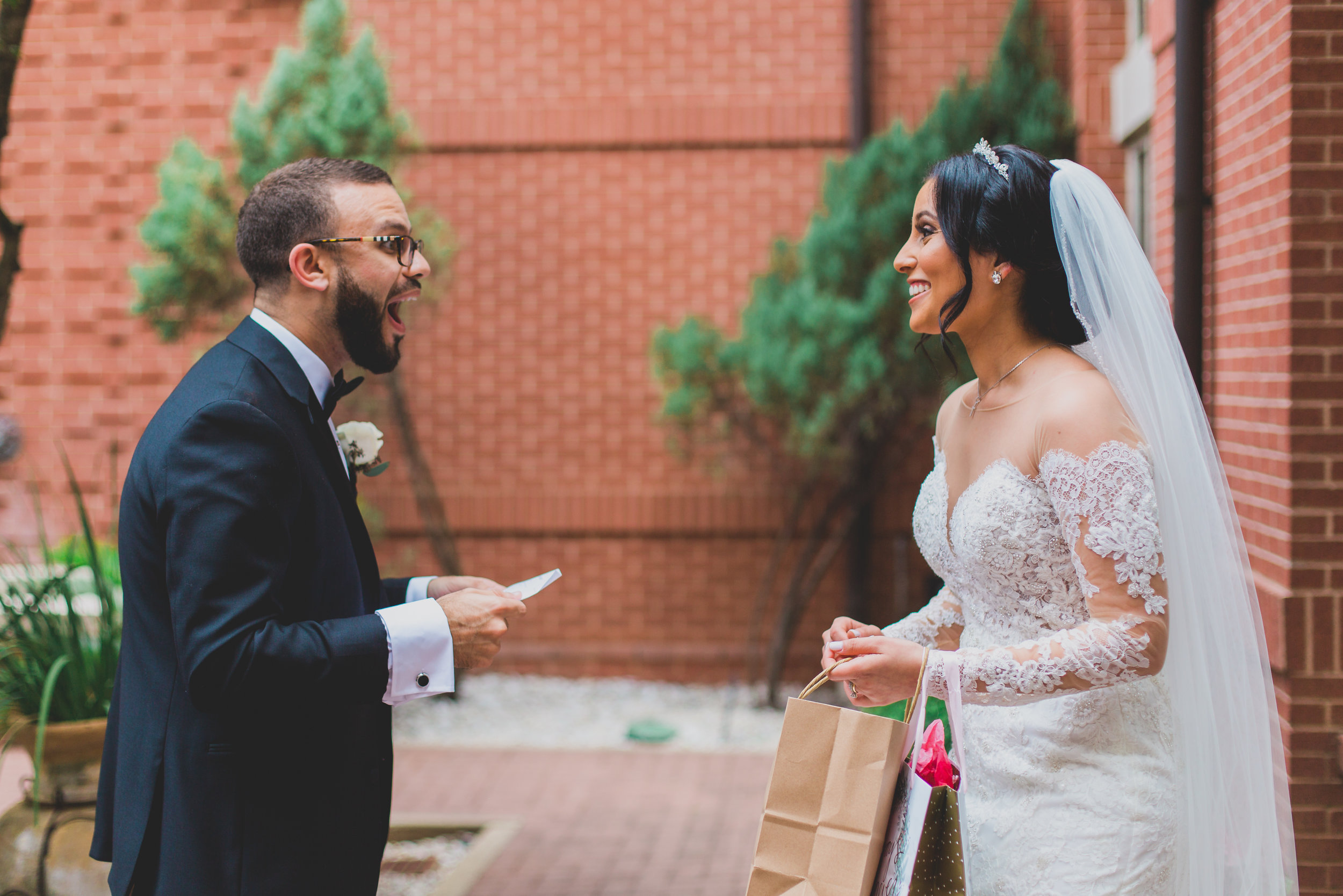 sugar-land-tx-wedding-photography-marriott-gift-exchange-2