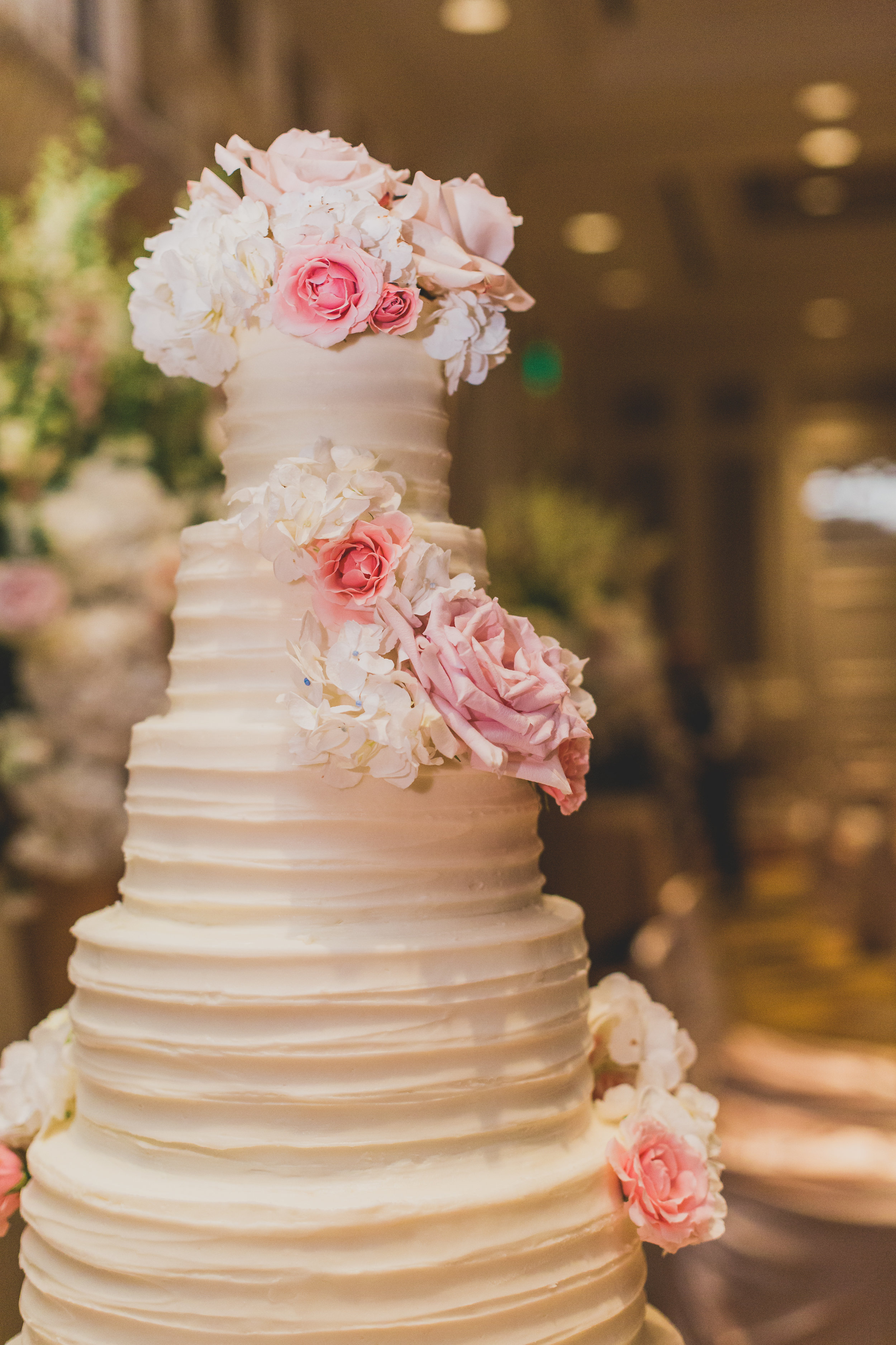 sugar-land-tx-wedding-photography-marriott-cake