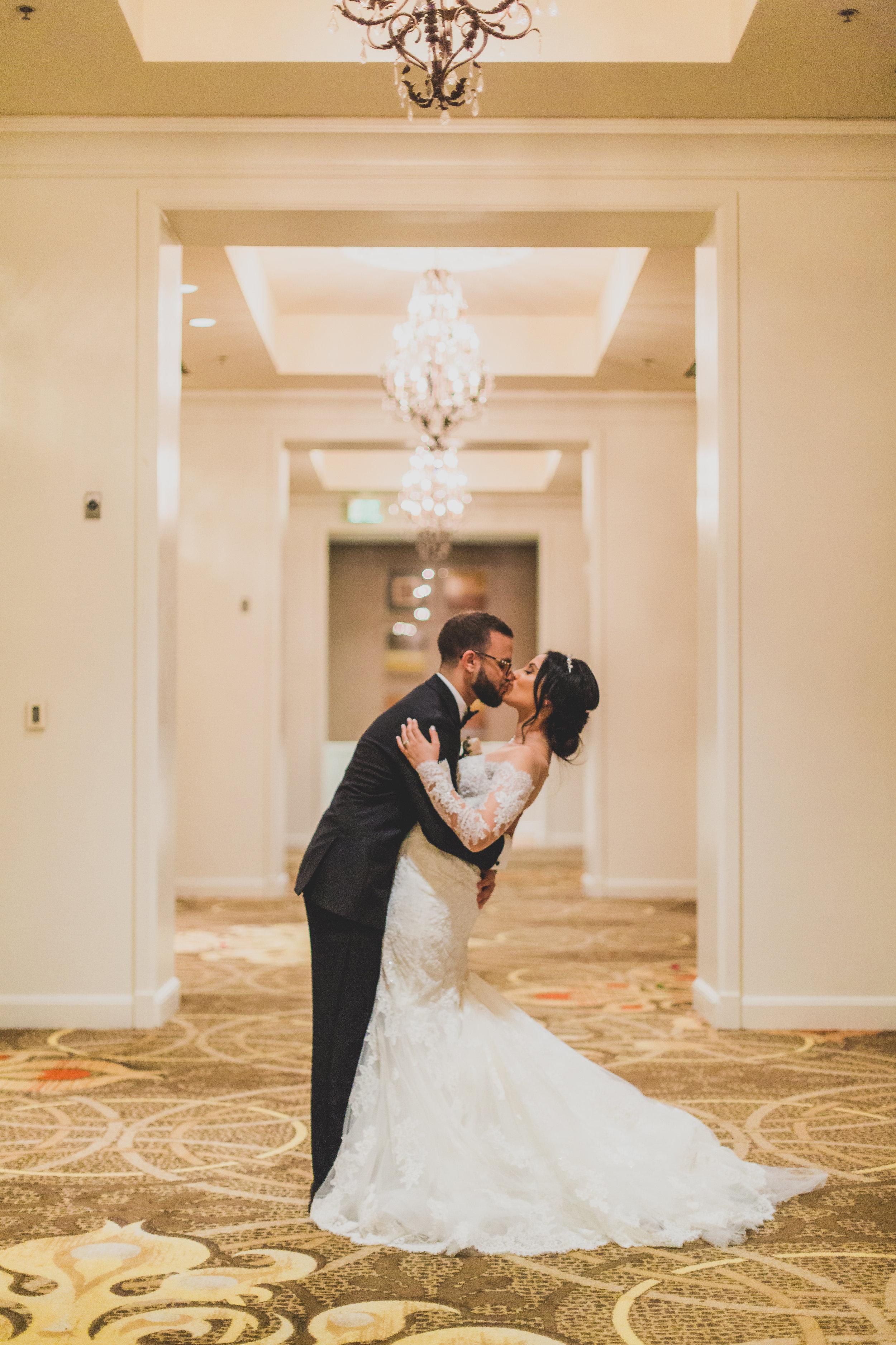 sugar-land-tx-wedding-photography-marriott-couples-portraits