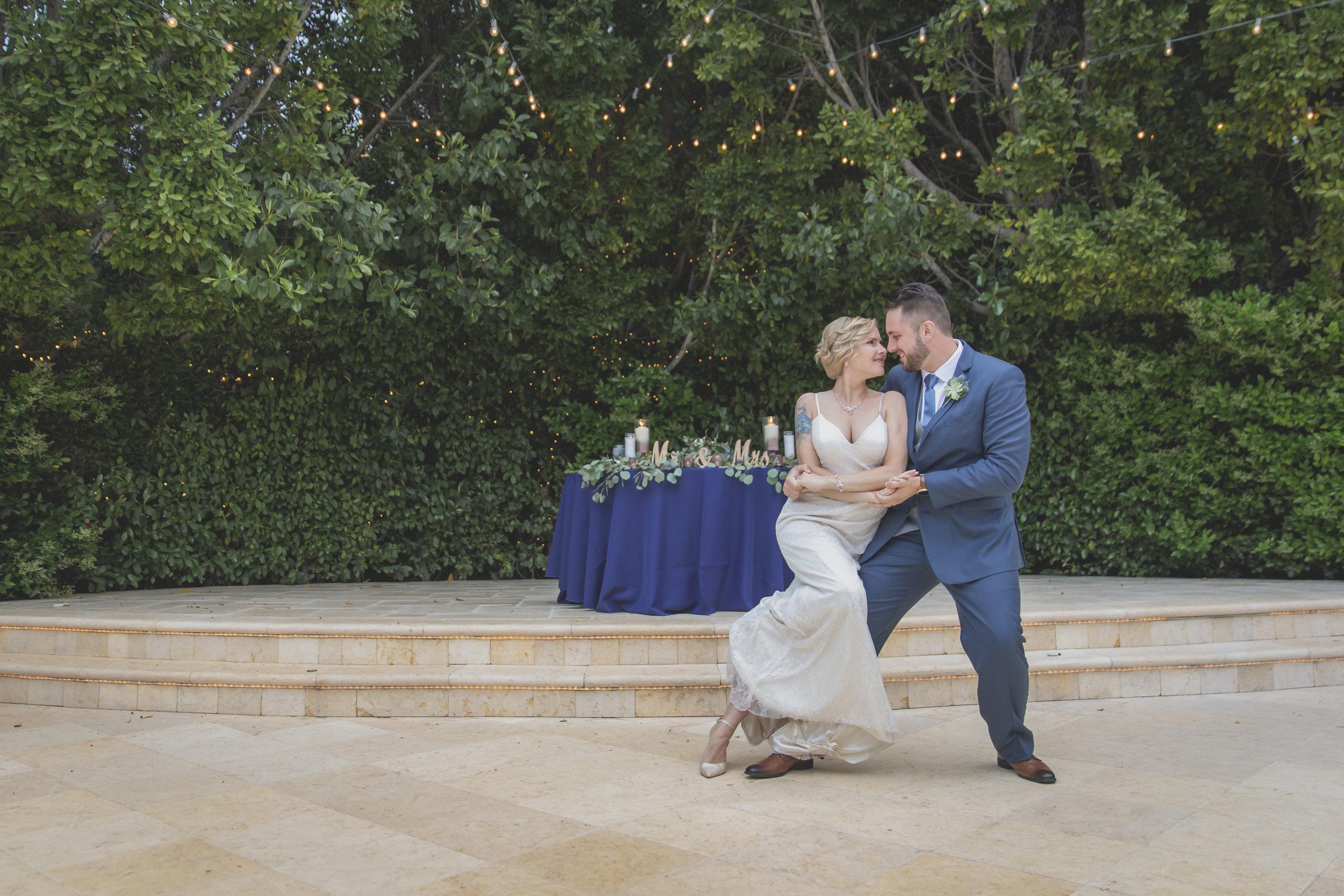 Wedding photography - Edens Gardens, Moorpark California Wedding Venue - Bride and groom dancing
