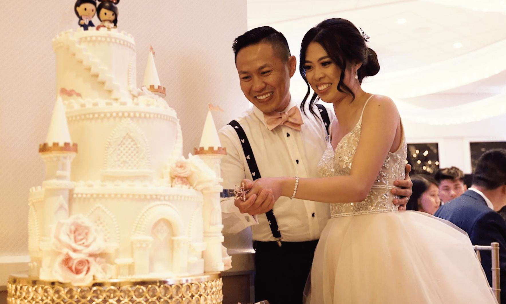 disney-wedding-theme-cake