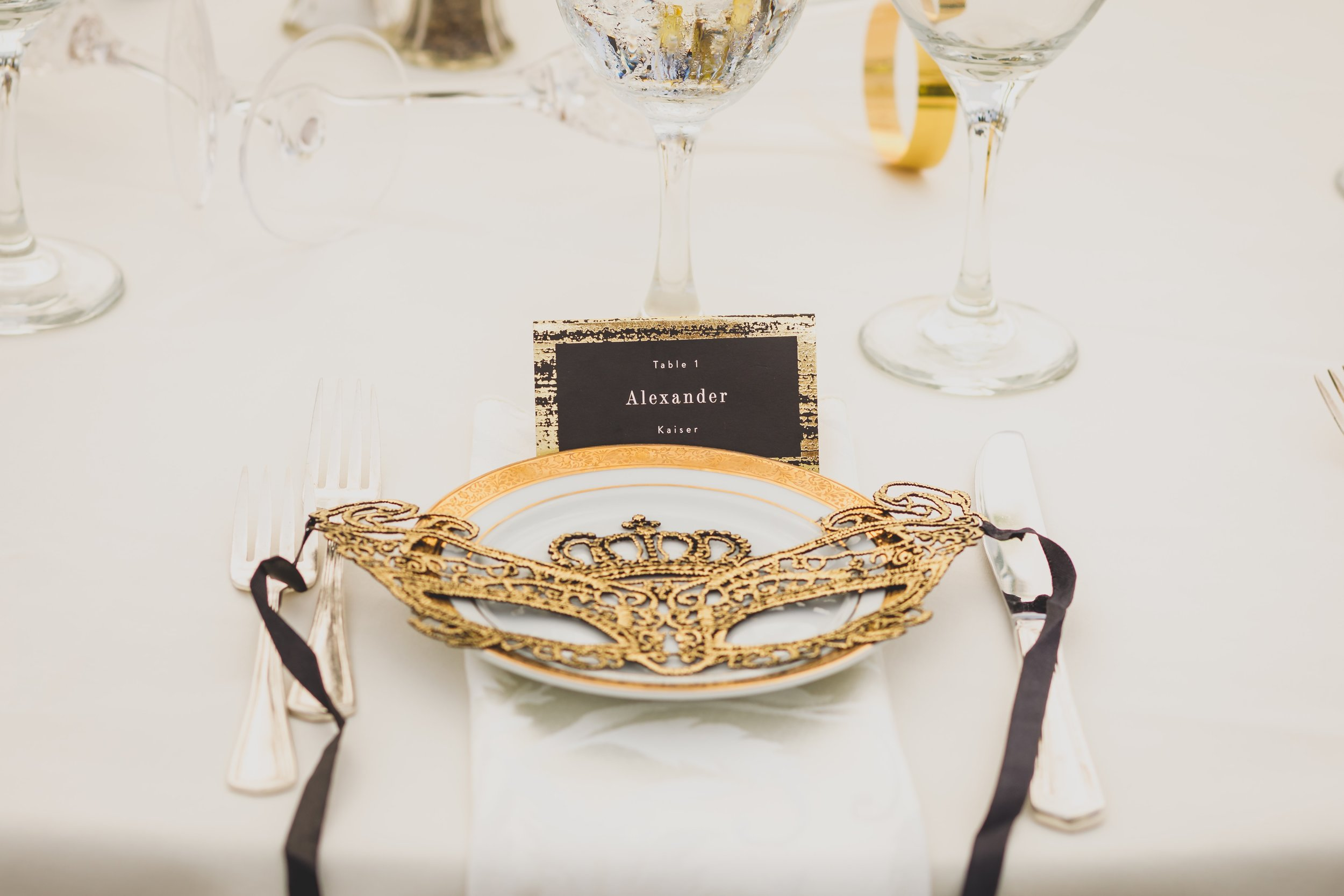 masquerade-wedding-theme-masks