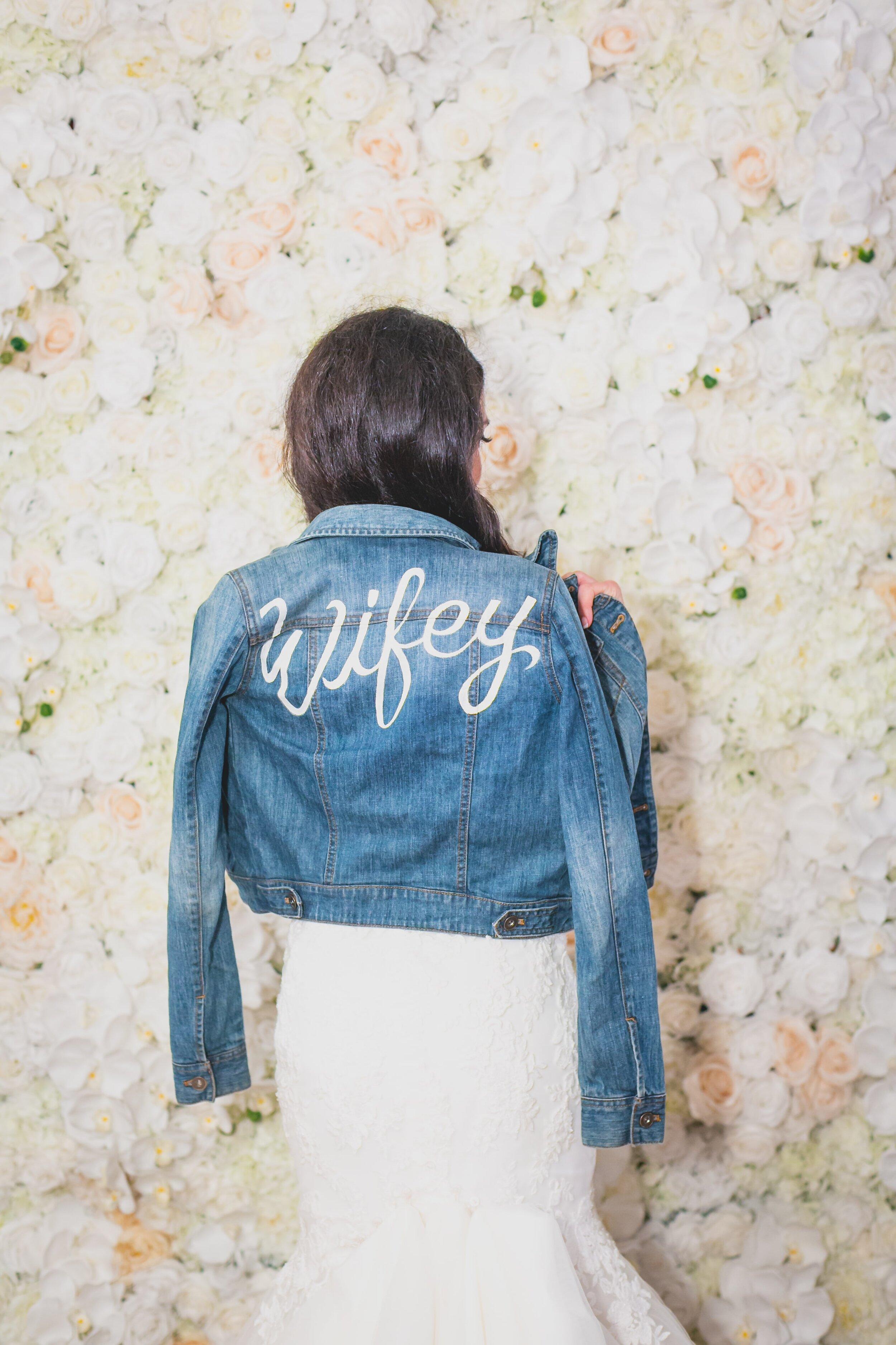 fall-wedding-accessories-that-will-keep-you-warm-denim-jacket