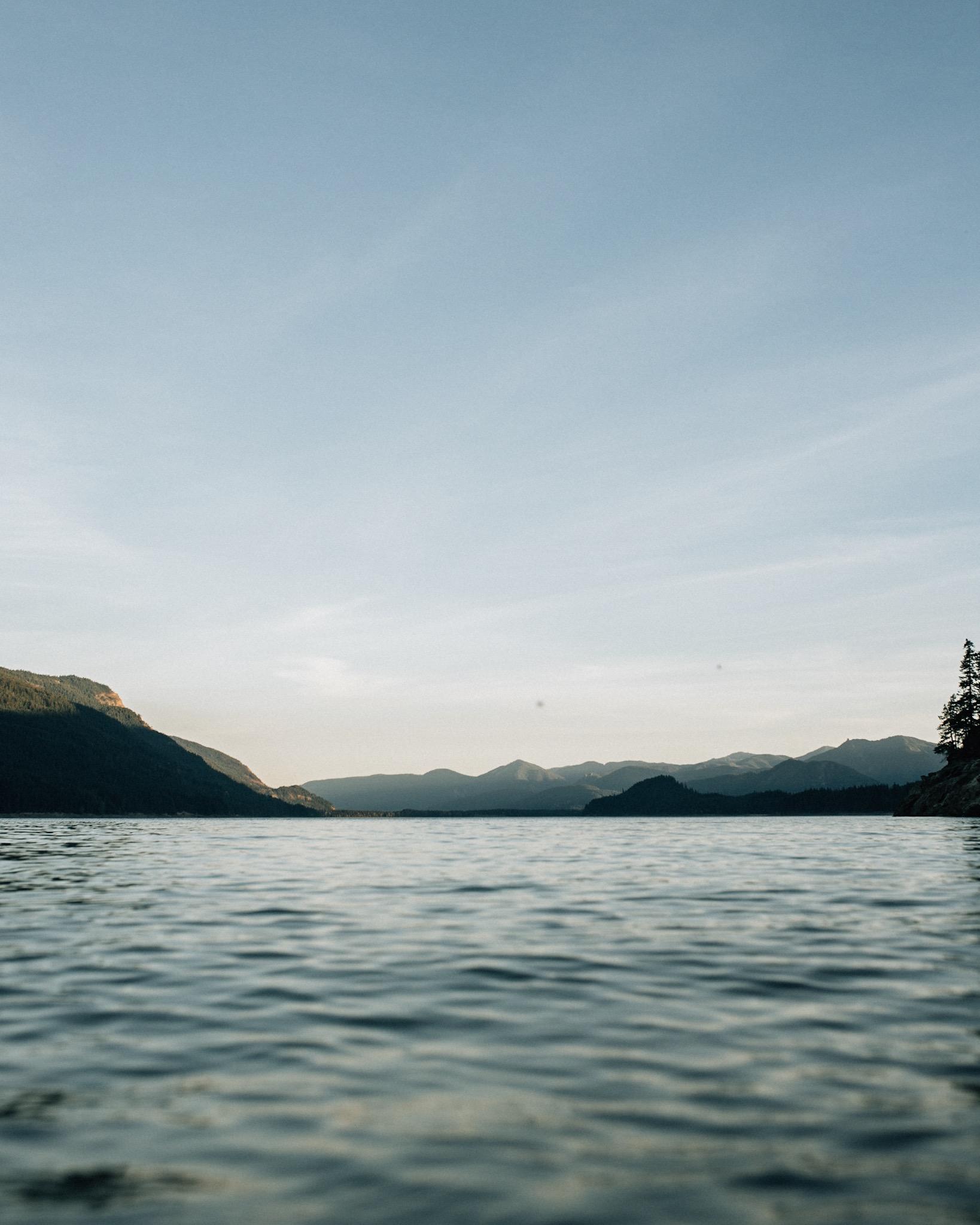 - Kachess Lake - - - Washington -
